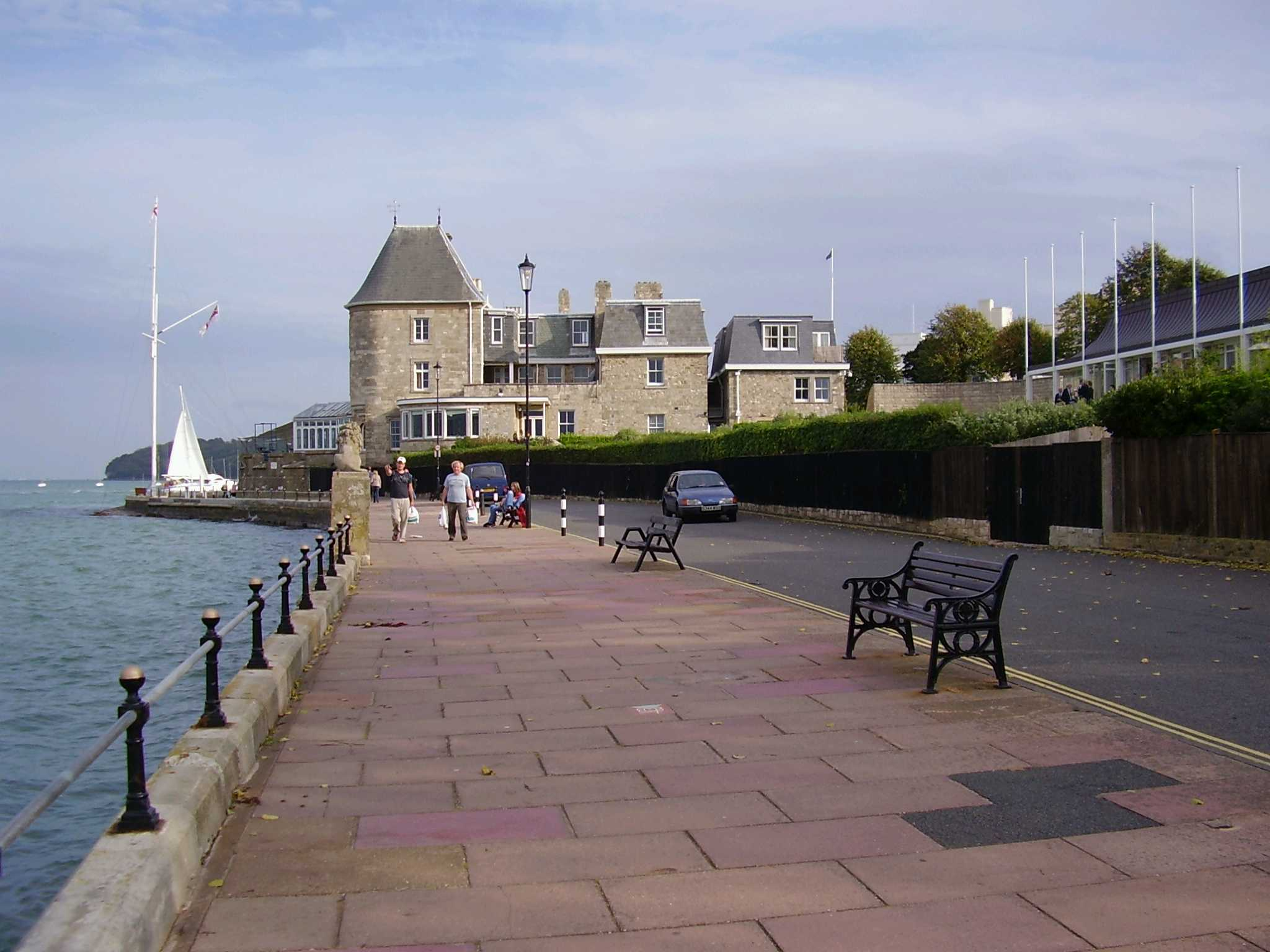 Cowes United Kingdom  City new picture : Cowes Esplanade and Cowes Cowes, United Kingdom