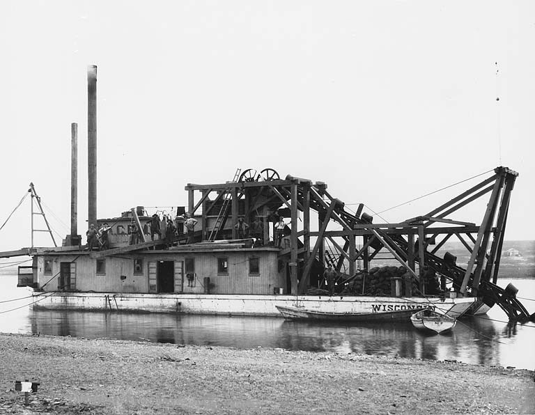 Historic Gold Dredges : File dredging on the snake river with wisconsin nome