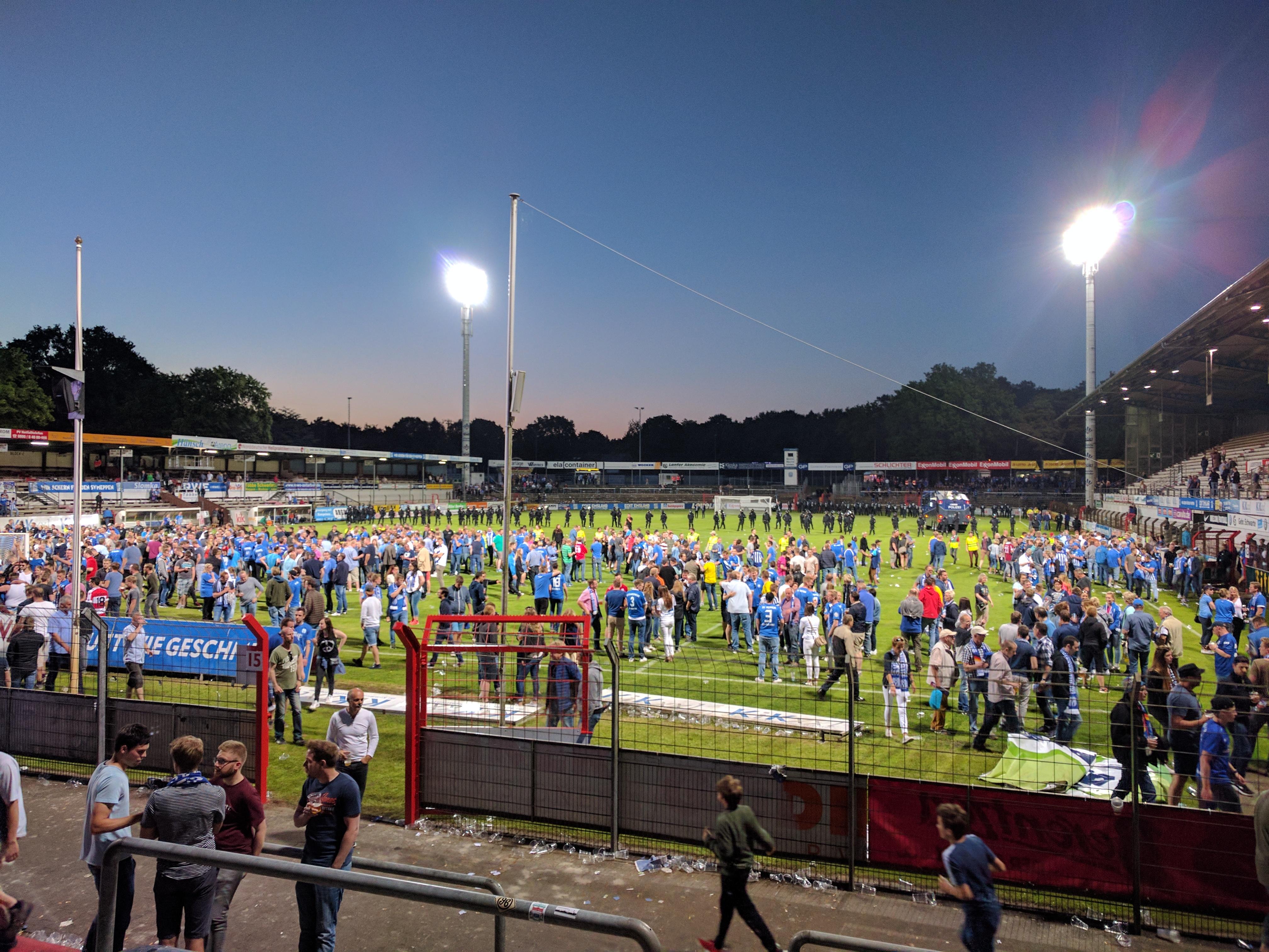 Das Emslandstadion nach dem Aufstiegsspiel des SV Meppen gegen den SV Waldhof Mannheim am 31. Mai 2017