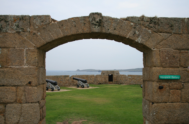 Entrance Arch to The Woolpack Battery - geograph.org.uk - 827040