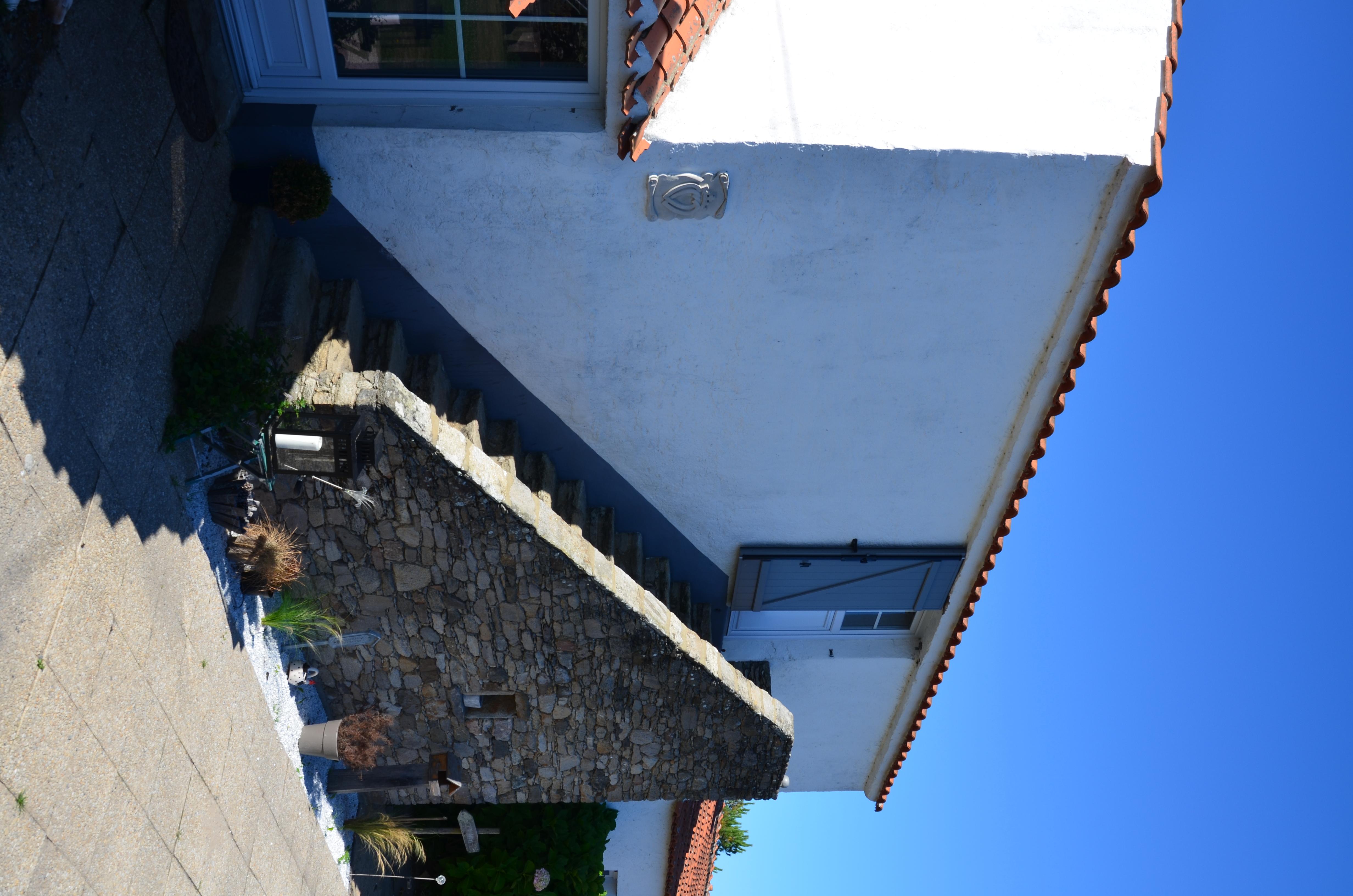 Escalier Dans Maison Ancienne file:escalier extérieur d'une ancienne maison vendéenne - le