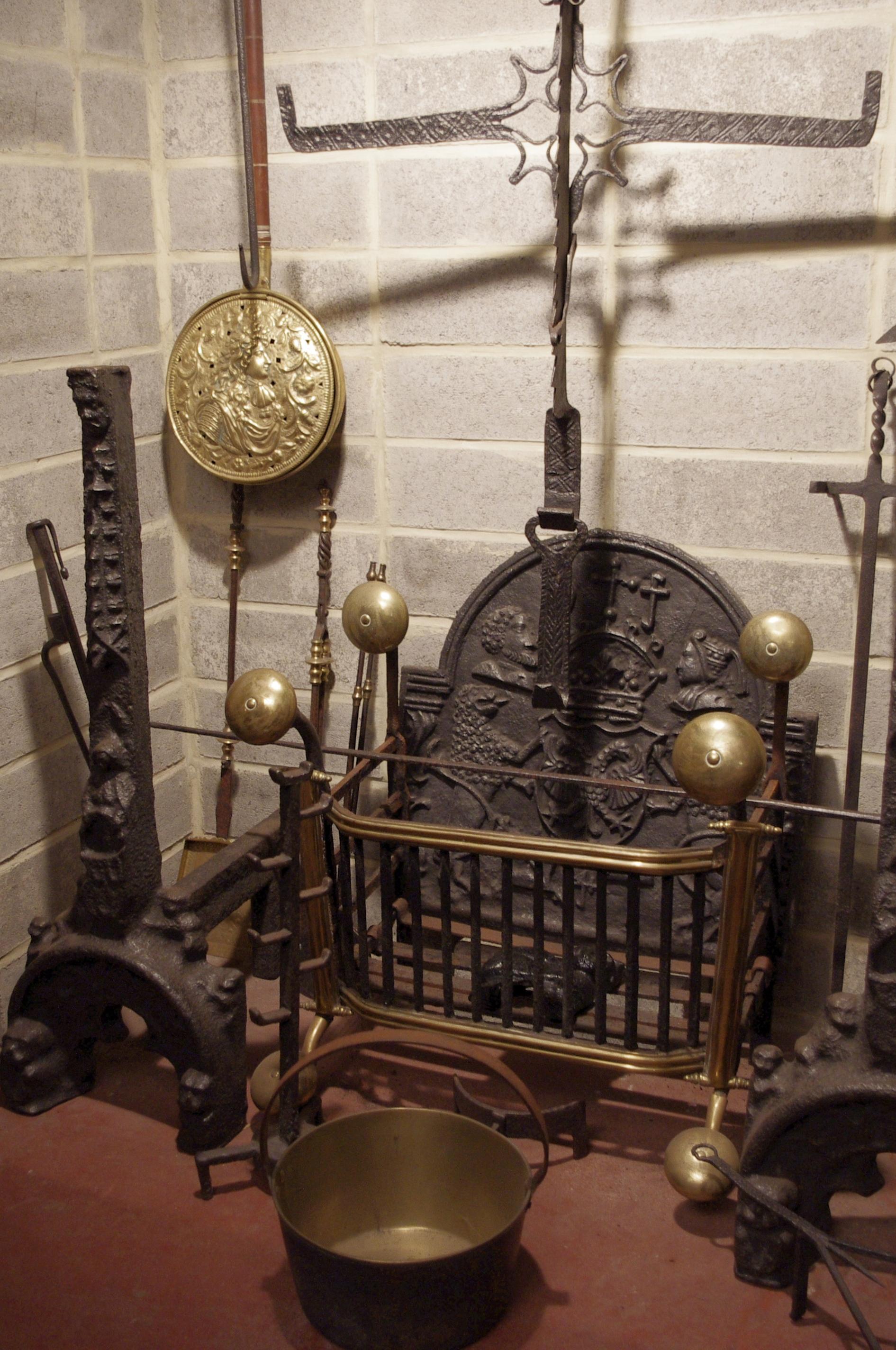 Accessoire De Foyer Wikipedia