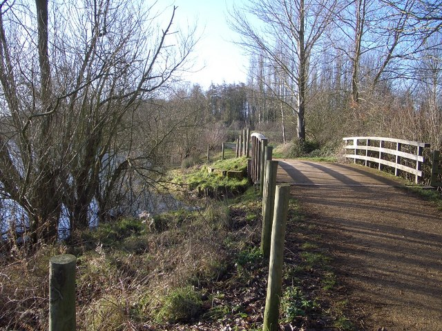 Footpath and Bridge in Harrold Odell Country Park - geograph.org.uk - 321986