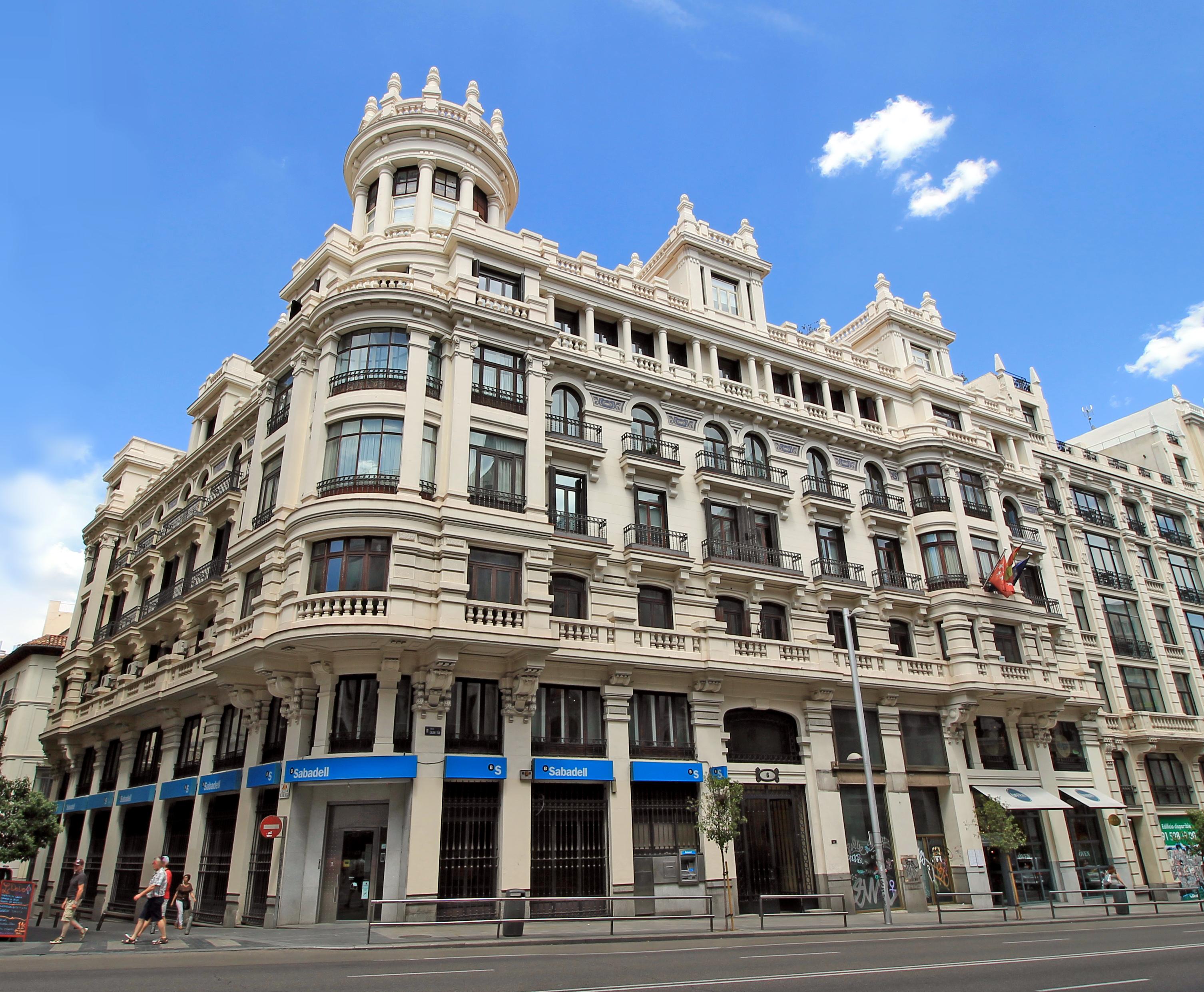 Archivo:Gran Vía 6 (Madrid) 01.jpg - Wikipedia, la enciclopedia libre