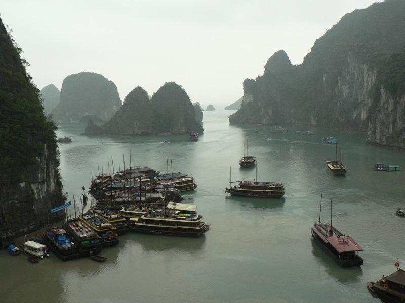 File:Ha Long Bay with boats.jpg