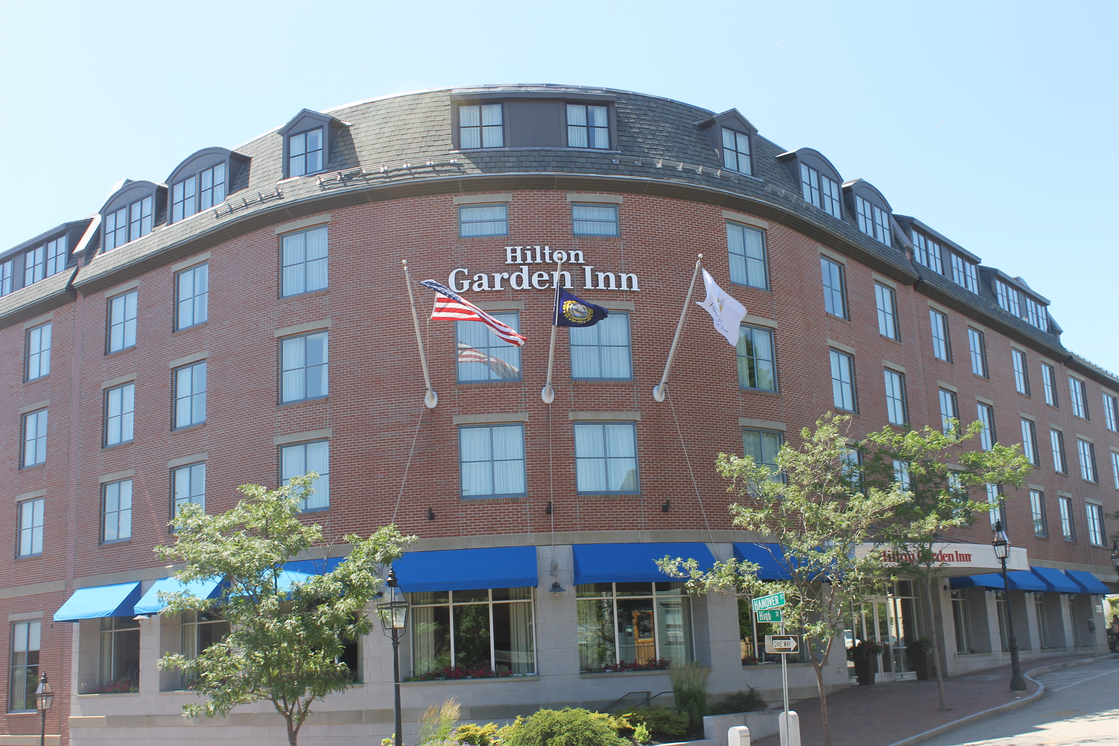 Good File:Hilton Garden Inn, Portsmouth, NH IMG 2662.JPG Awesome Design
