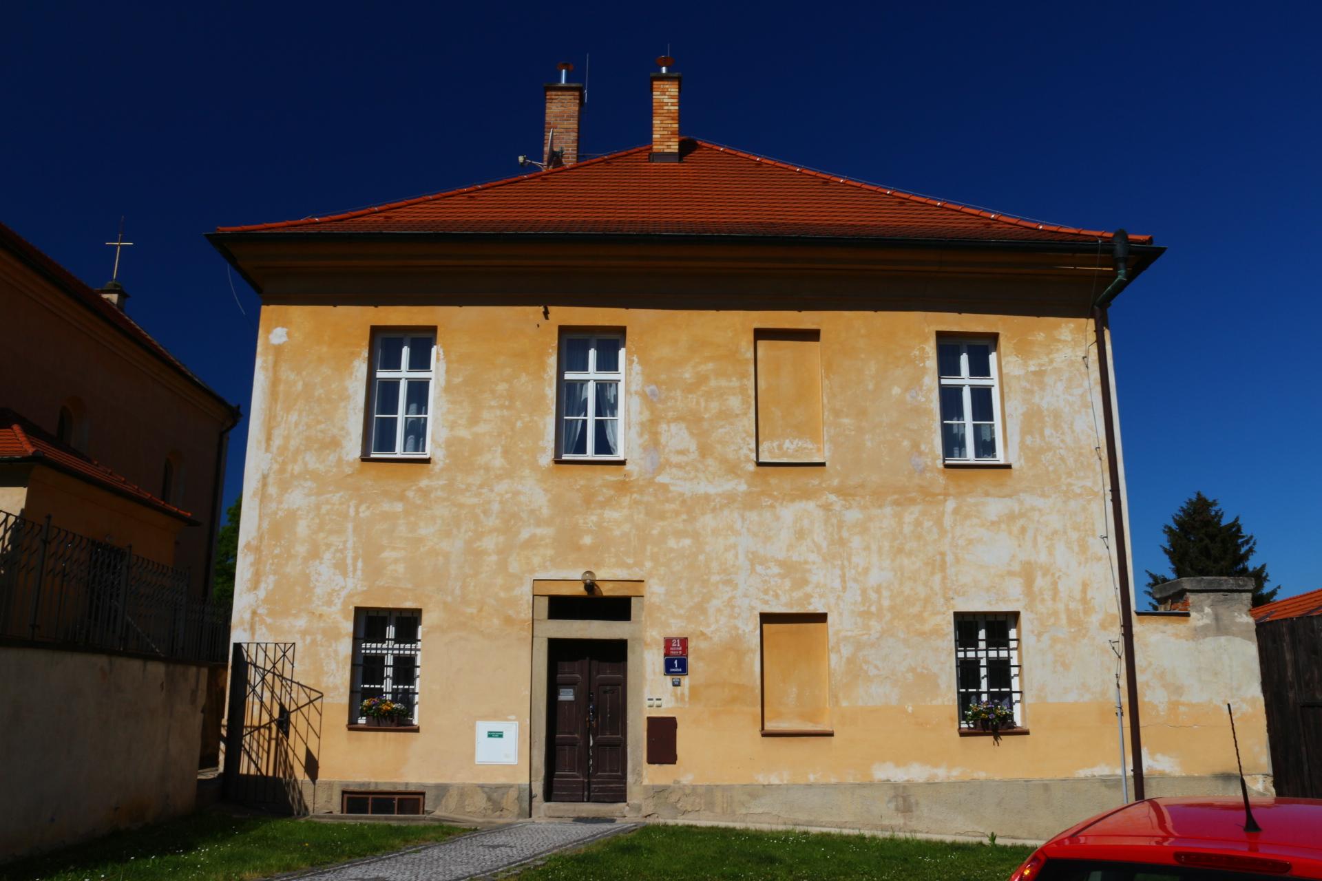 Římskokatolická farnost u kostela Stětí svatého Jana Křtitele Praha-Hostivař  – Wikipedie ca9d4122c4