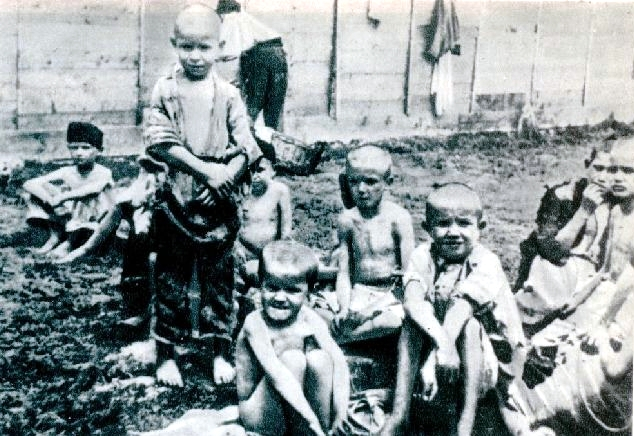 File:Inmate children at the Rab concenctration camp.jpg