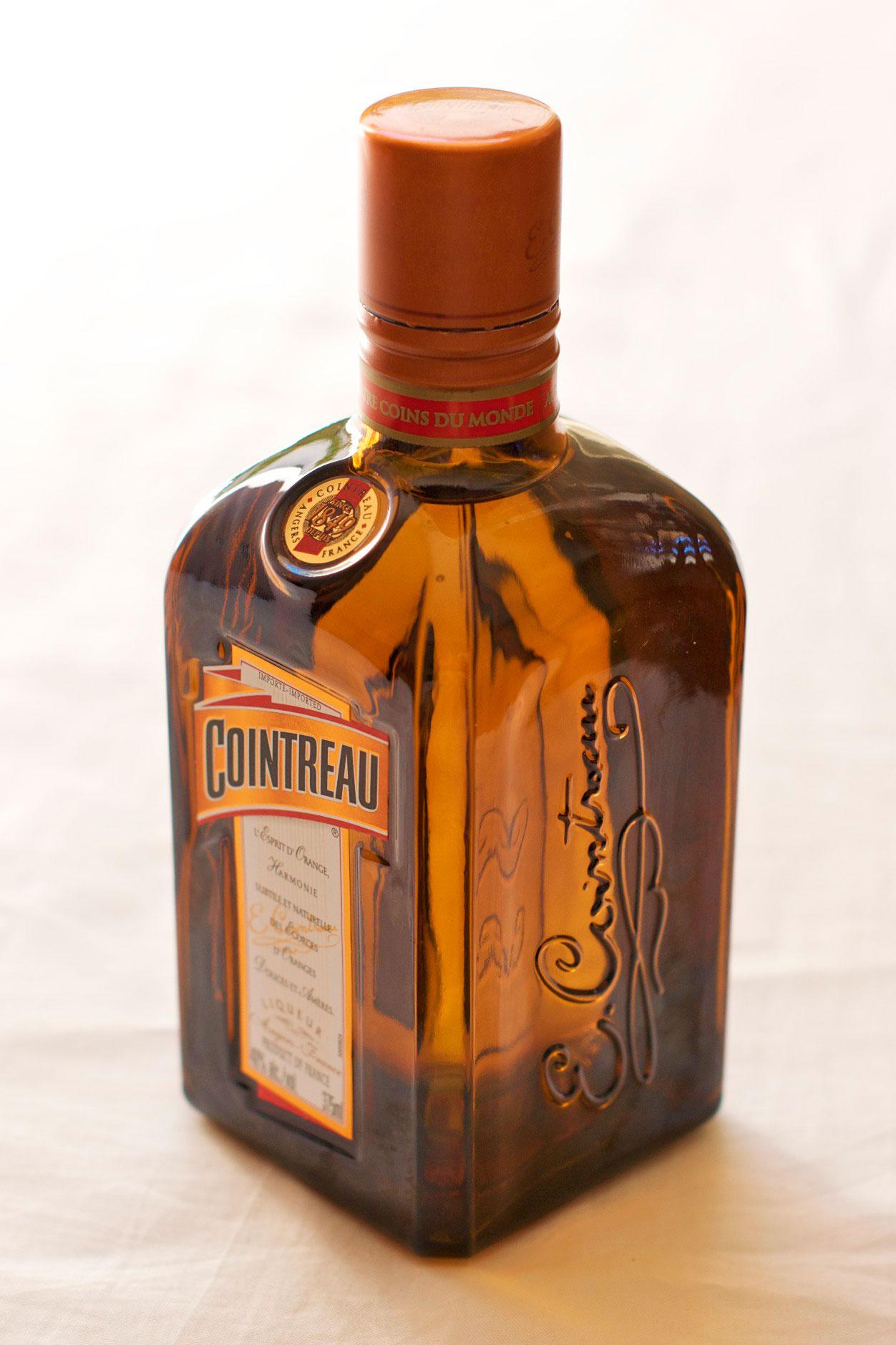 File:Liqueur Cointreau (Imported) - 45 degrees.jpg - Wikipedia, the ...