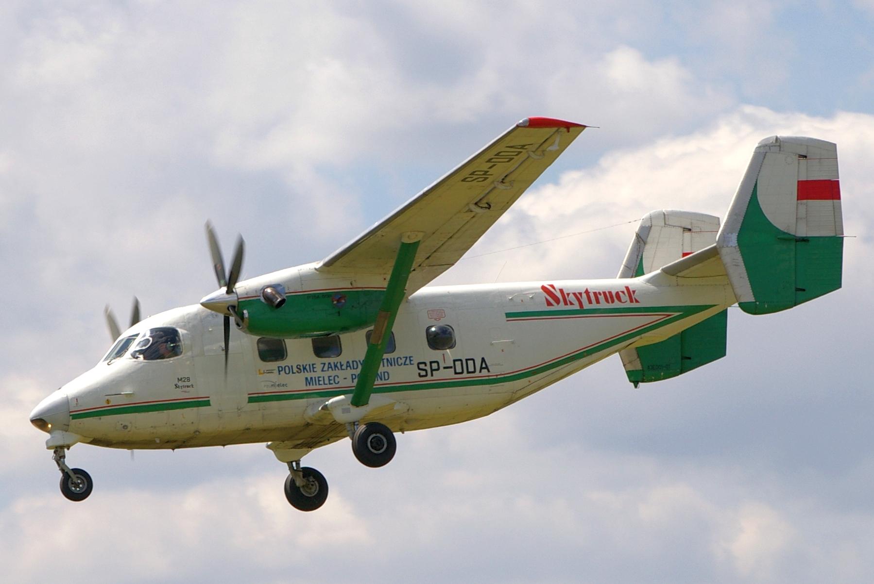 PZL M28 Skytruck - Wikipedia