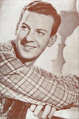 Mariano Mores en 1968. Foto de Annemarie Heinrich.
