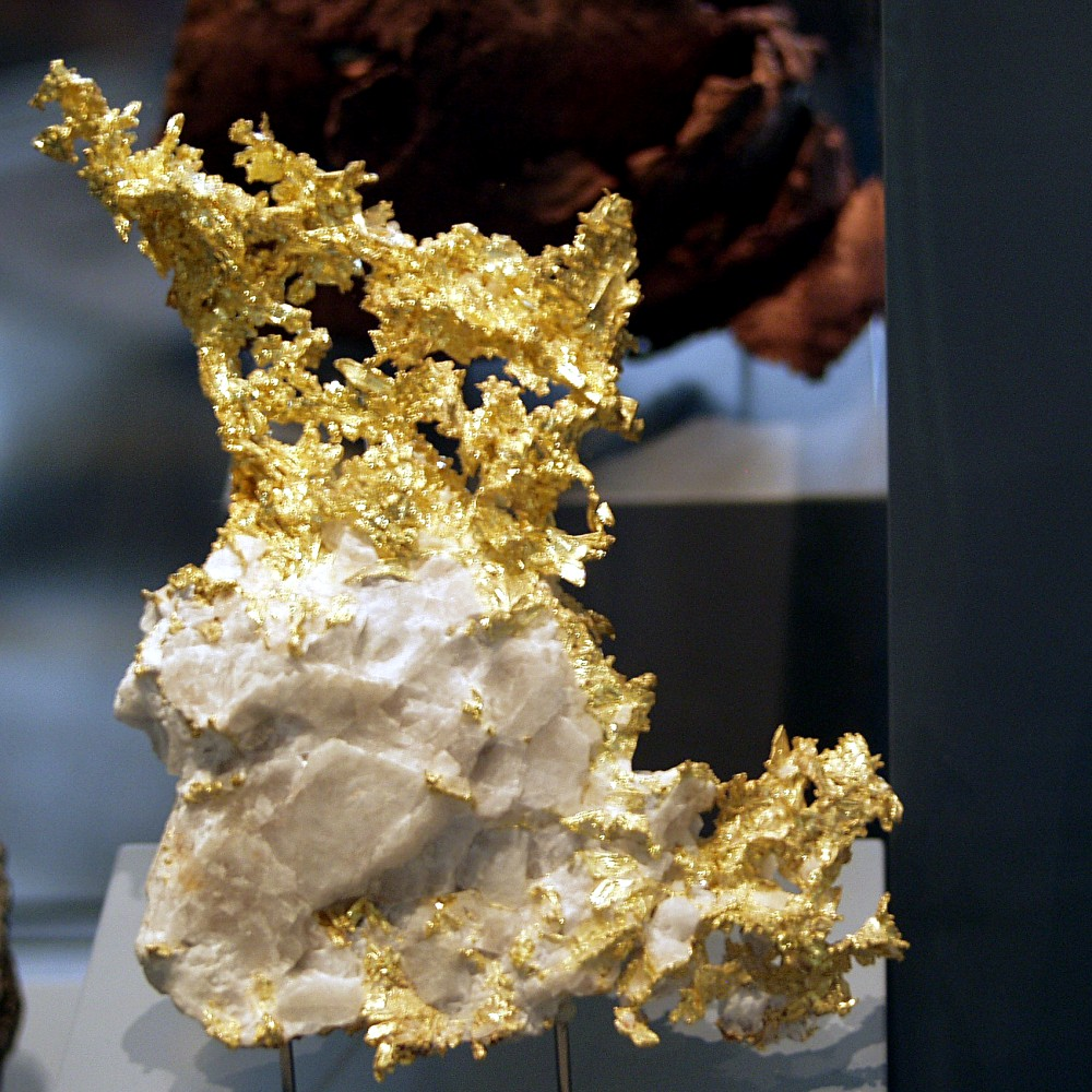 What Make Gold Form Naturally