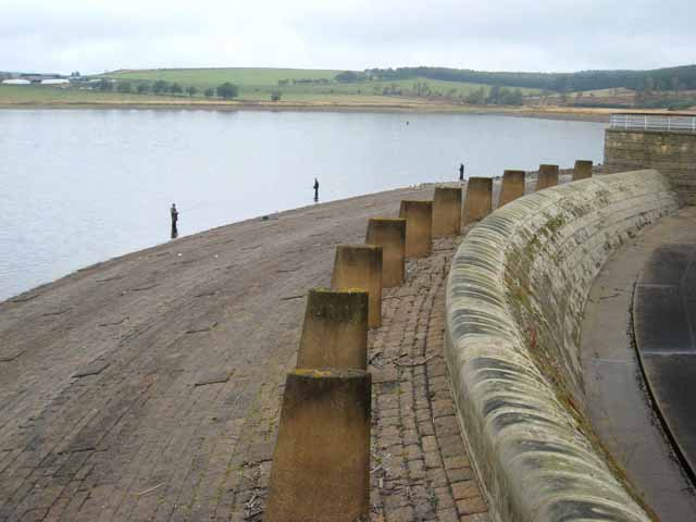 North end of the Derwent Reservoir dam - geograph.org.uk - 611490