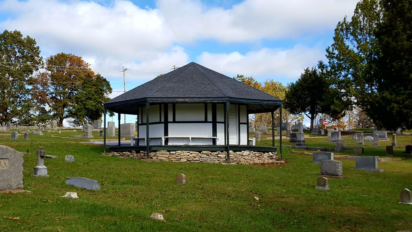 File:Oakdale Cemetery Pavillion - Hendersonville, NC jpg