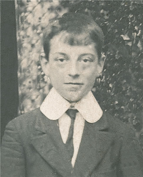 Rafael Alberti en 1910.