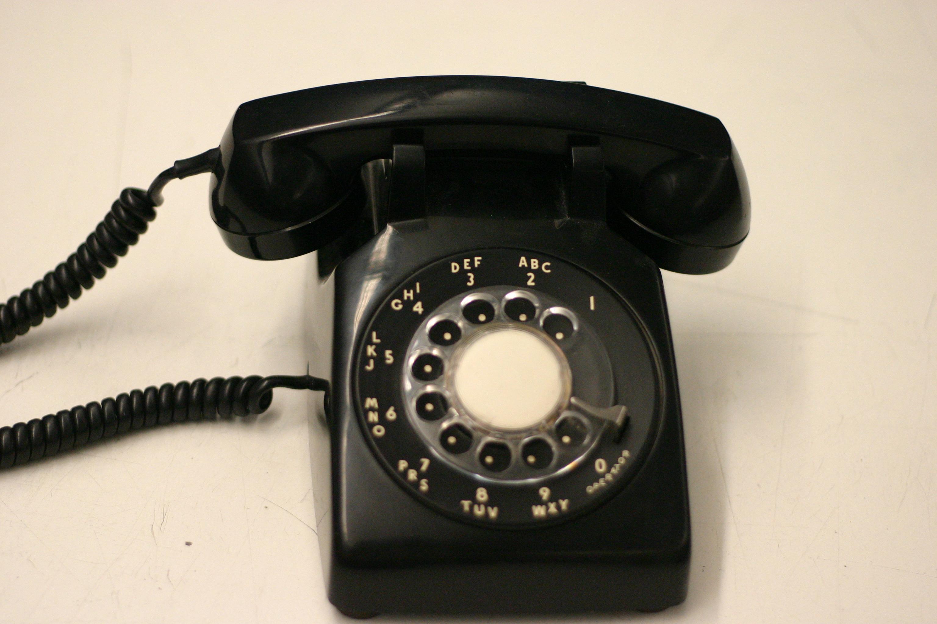 Old Fashioned Telephones Uk