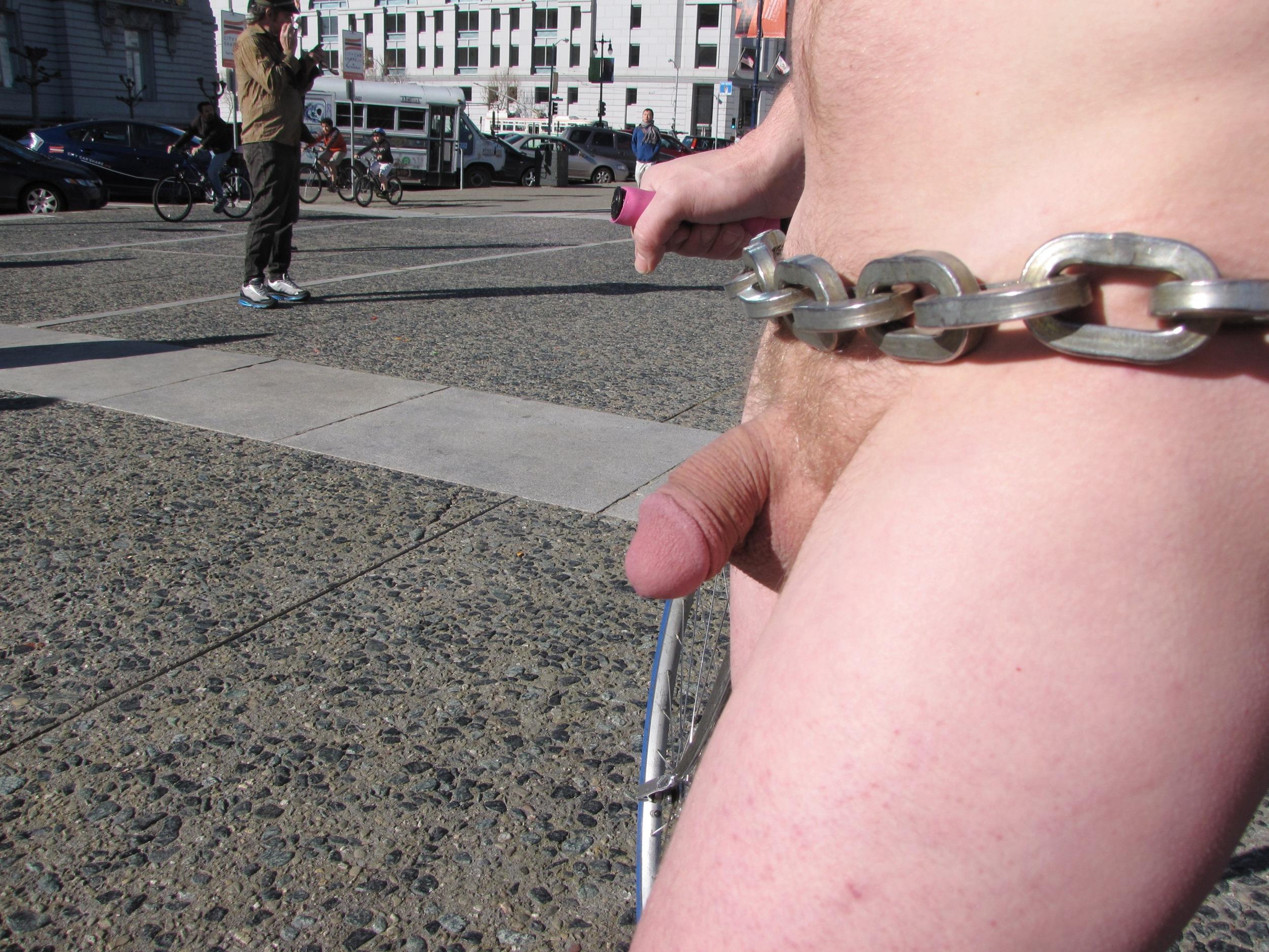 nude protest の 画像 page 2 へ 一覧 bird s eye view nude protest ...: gazo.coresv.com/nude+protest/pic3.html