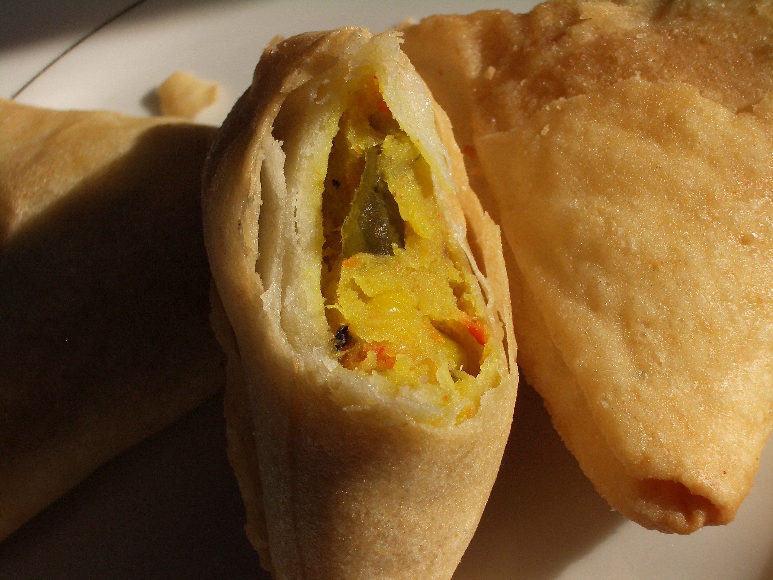 File:Samosa (partially open).jpg - Wikimedia Commons