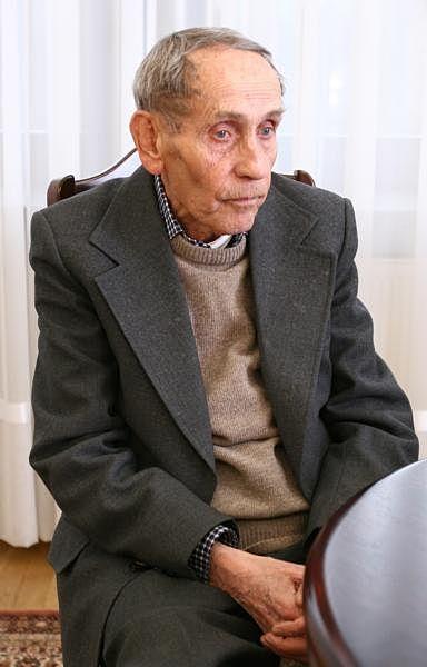 Tadeusz Konwicki Kancelaria Senatu 02.jpg