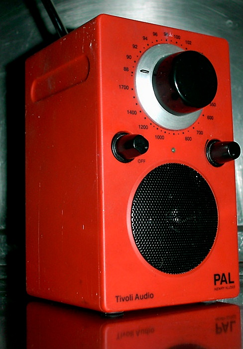 antique radio. Black Bedroom Furniture Sets. Home Design Ideas