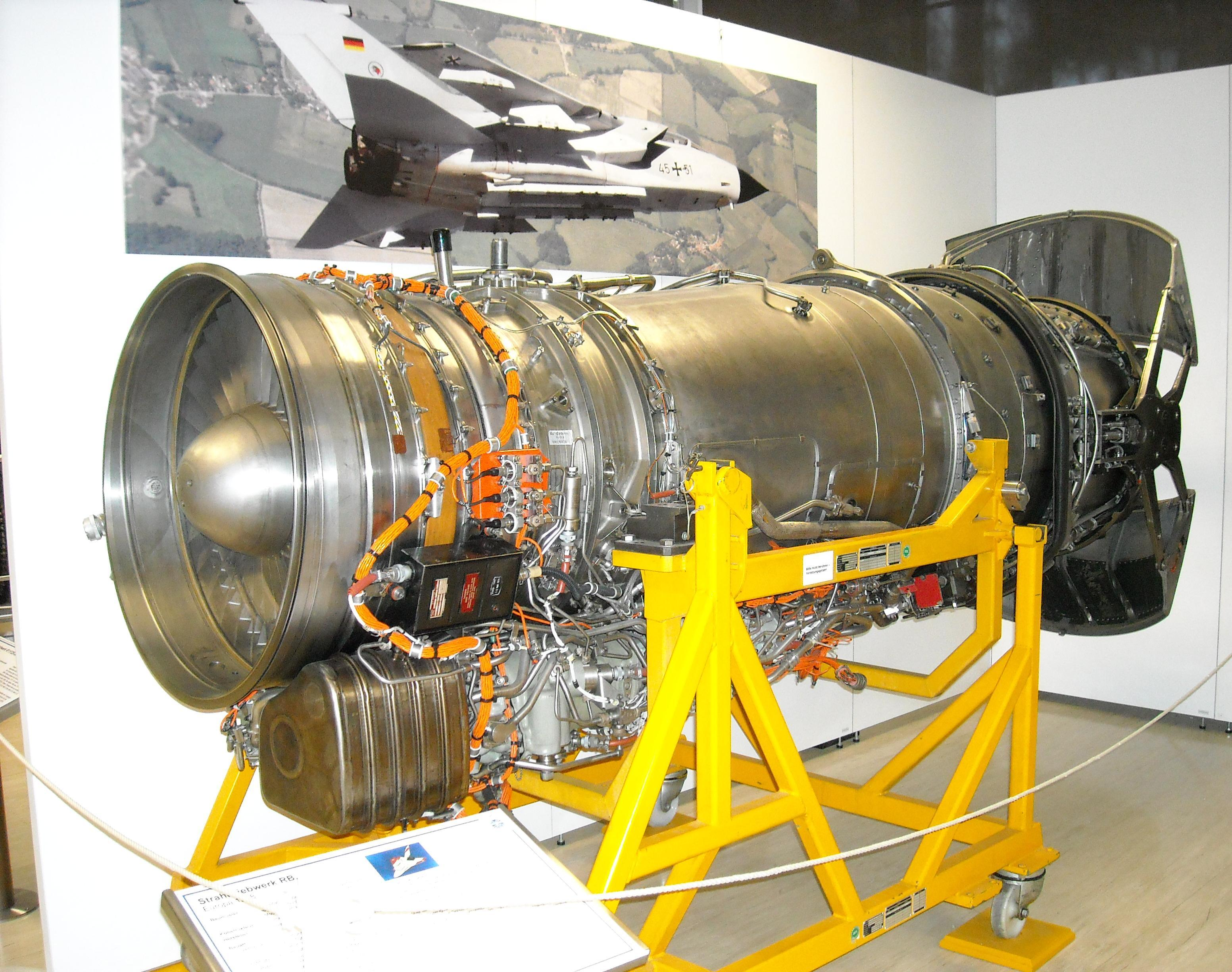 File:Turbo-Union RB199 turbofan engine jpg - Wikimedia Commons