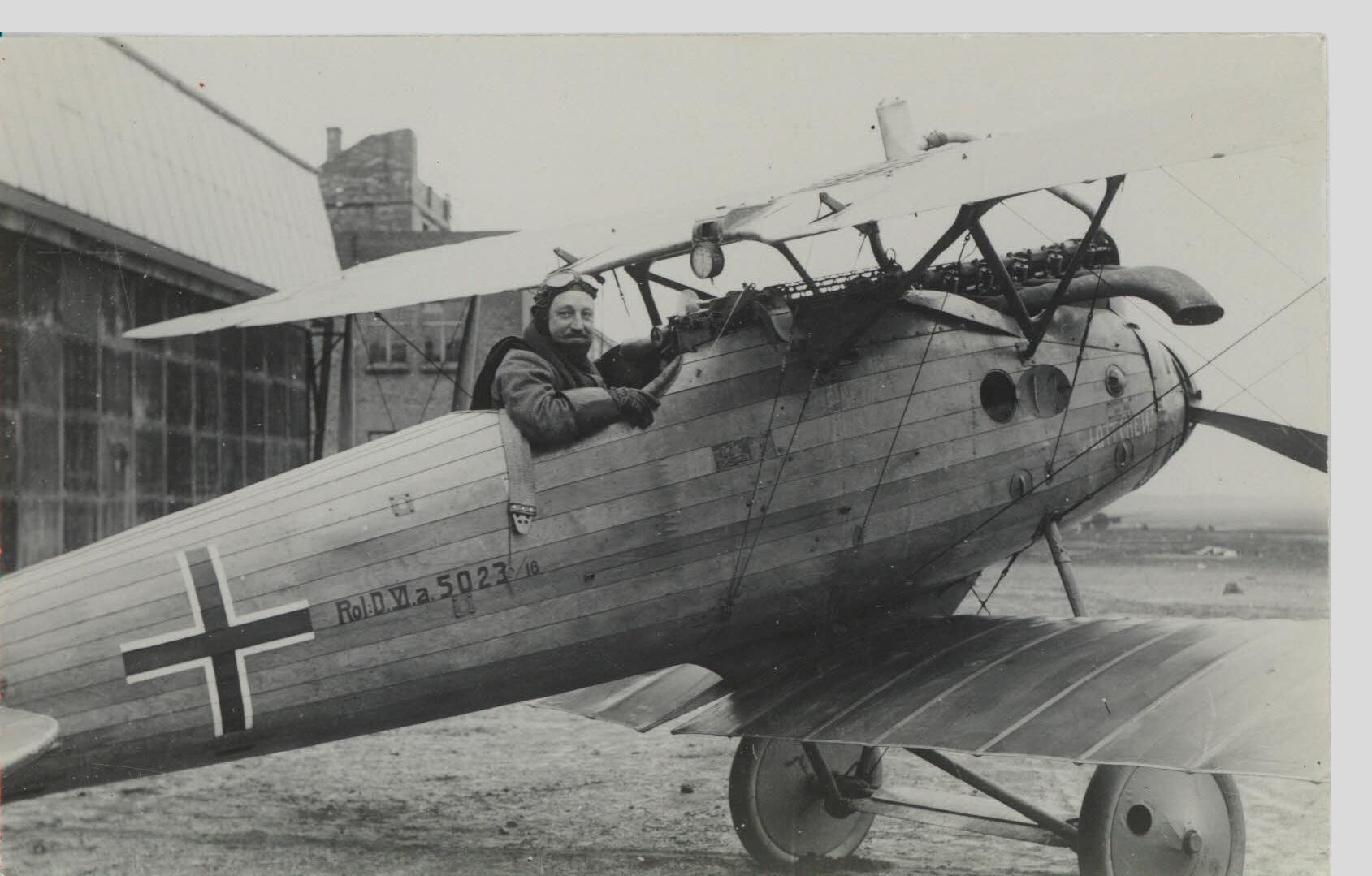 vem uppfann flygplanet