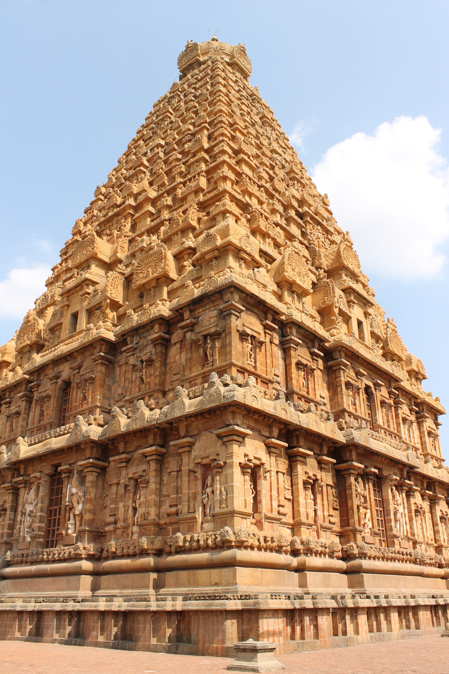 Description A Wonder Of Tamil Architecture In The Big Temple JPG