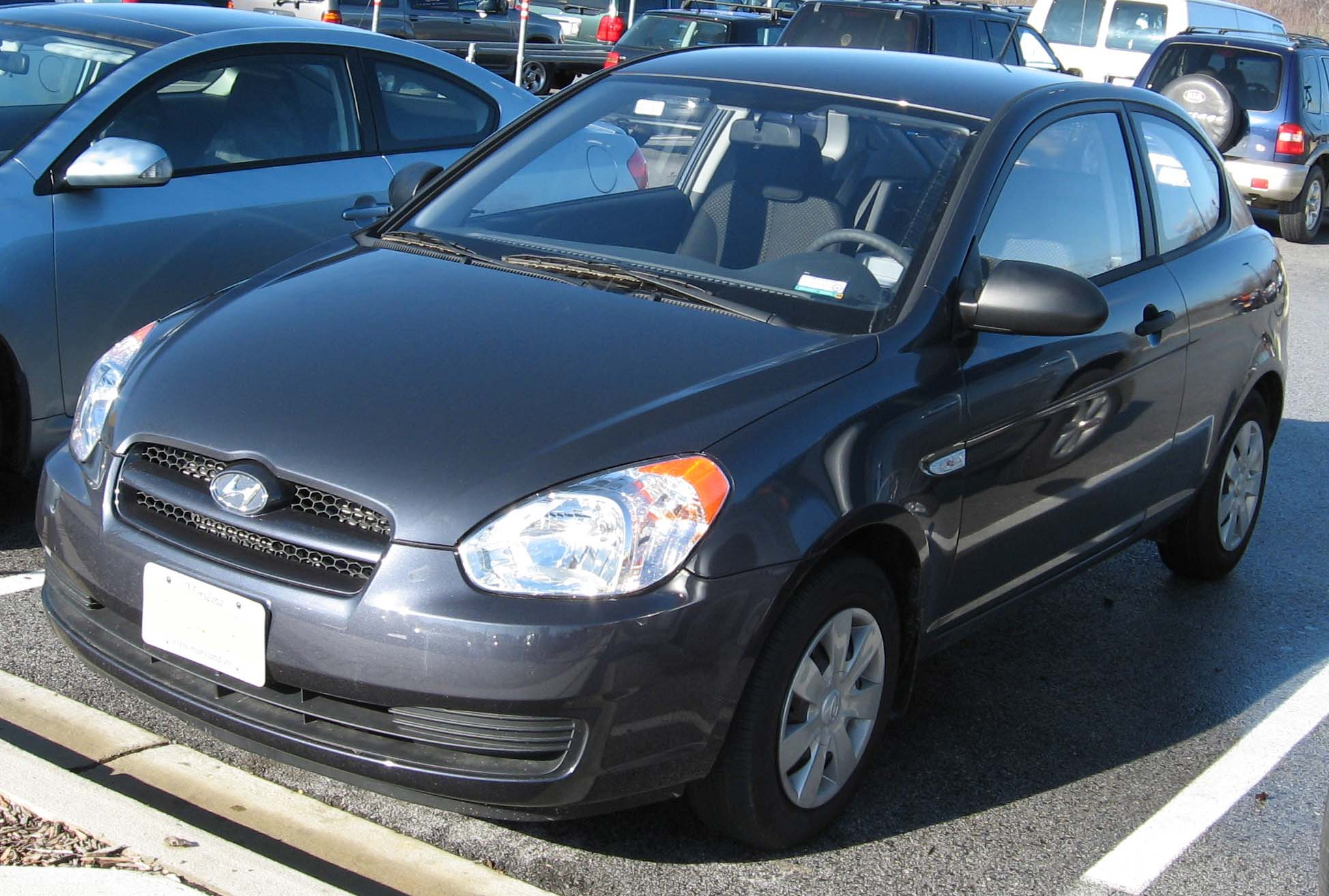 File 07 Hyundai Accent Hatch 1 Jpg Wikimedia Commons