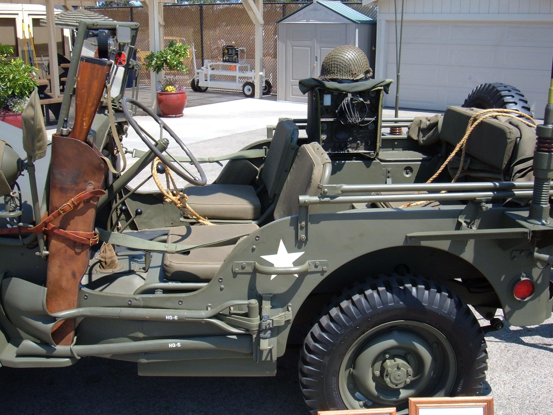 file 1945 willys jeep with trailer 2 jpg. Black Bedroom Furniture Sets. Home Design Ideas
