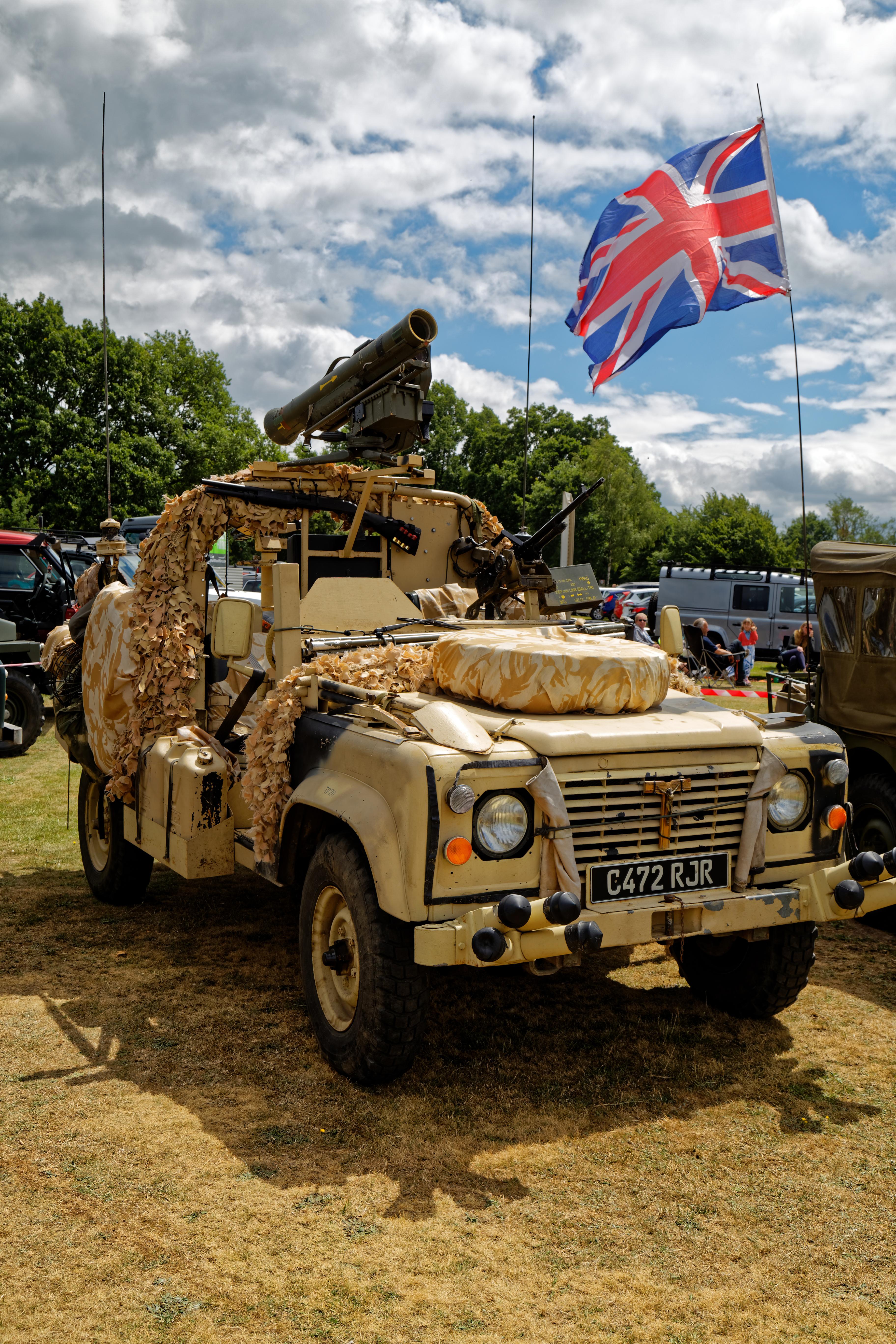file:1985 land rover 2495cc at hatfield heath festival 2017