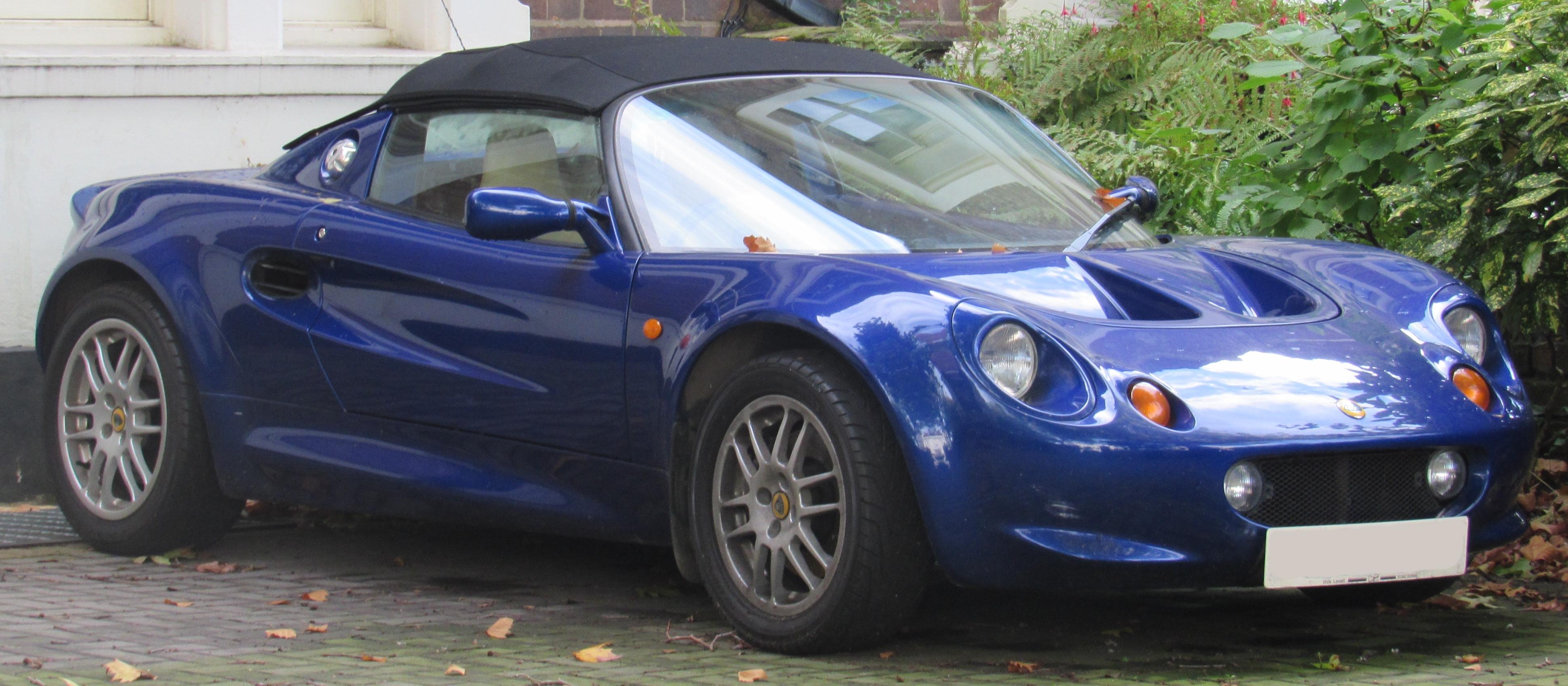 File:1999 Lotus Elise 1.8.jpg - Wikimedia Commons