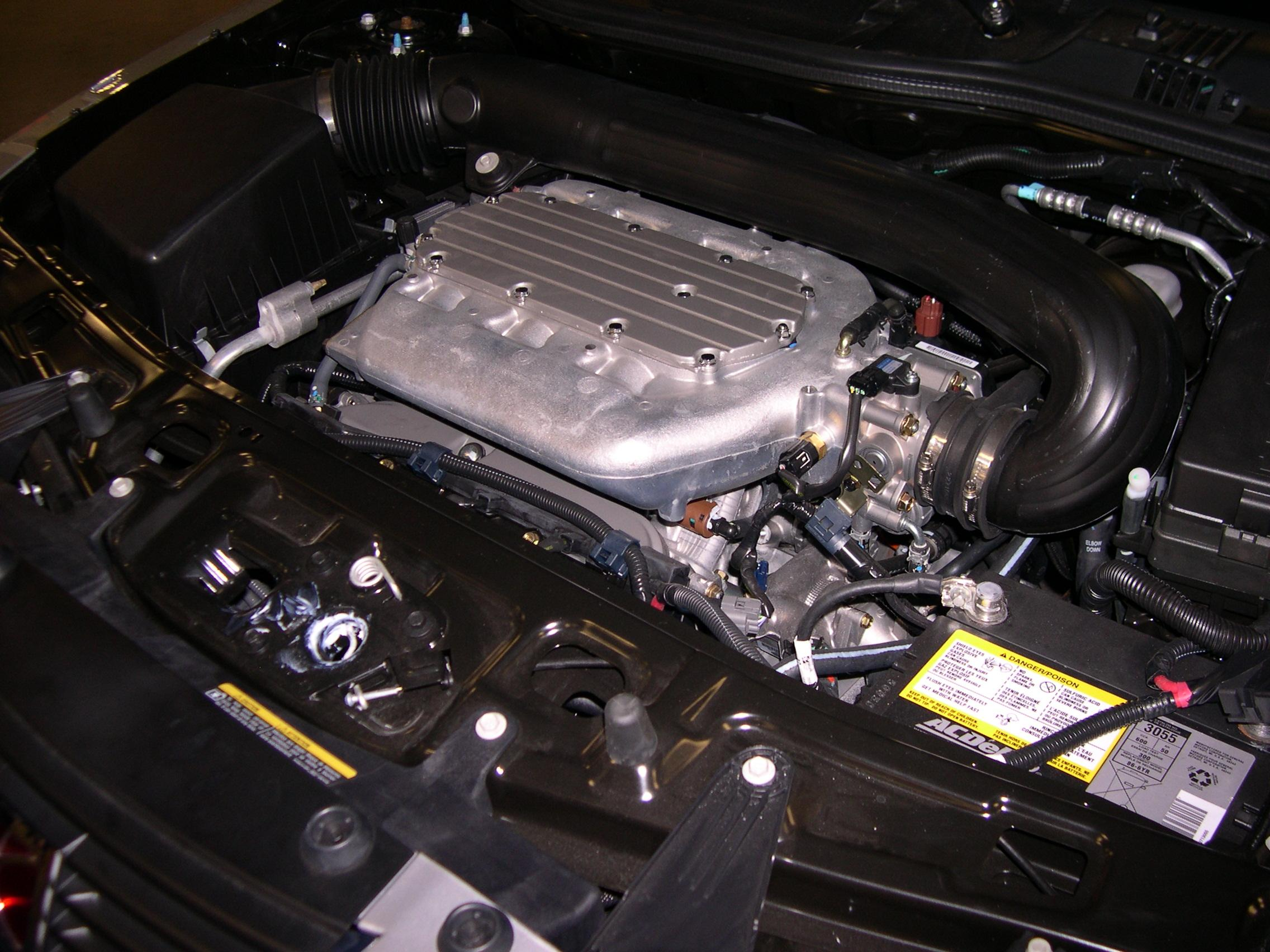 2006_Saturn_VUE_V6_engine file 2006 saturn vue v6 engine jpg wikimedia commons
