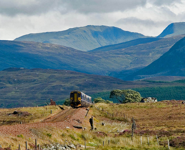 File:A Glasgow - Fort William train climbs onto Rannoch Moor - geograph.org.uk - 676941.jpg