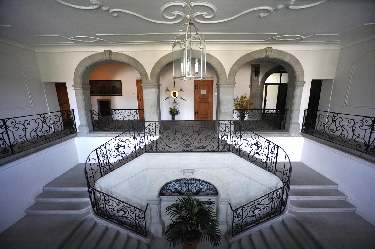 File abbaye d 39 hauterive treppenhaus im westtrakt 03 09 for Hauterive 03