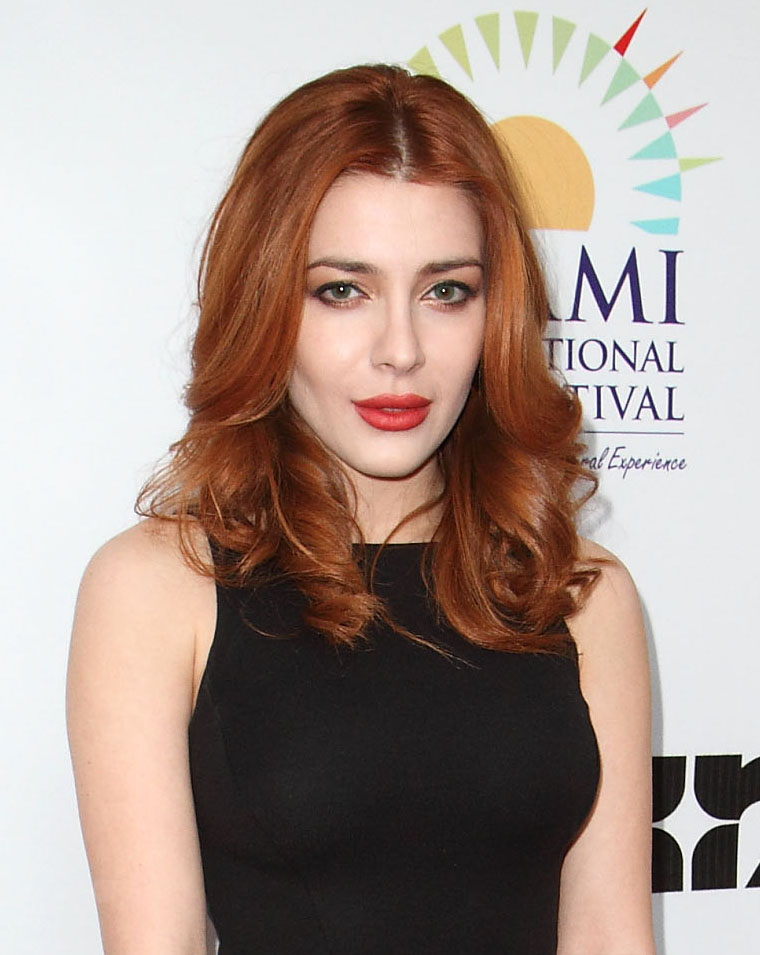 Sexy Elena Satine  nude (96 fotos), Facebook, cleavage