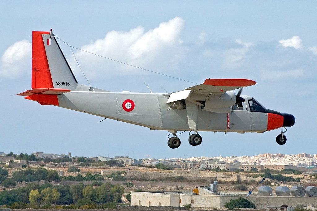 armée maltaise Armed_Forces_of_Malta_Air_Wing_Islander_Zammit-2