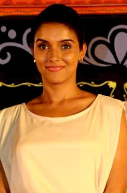 File:Asin at READY audio release.jpg