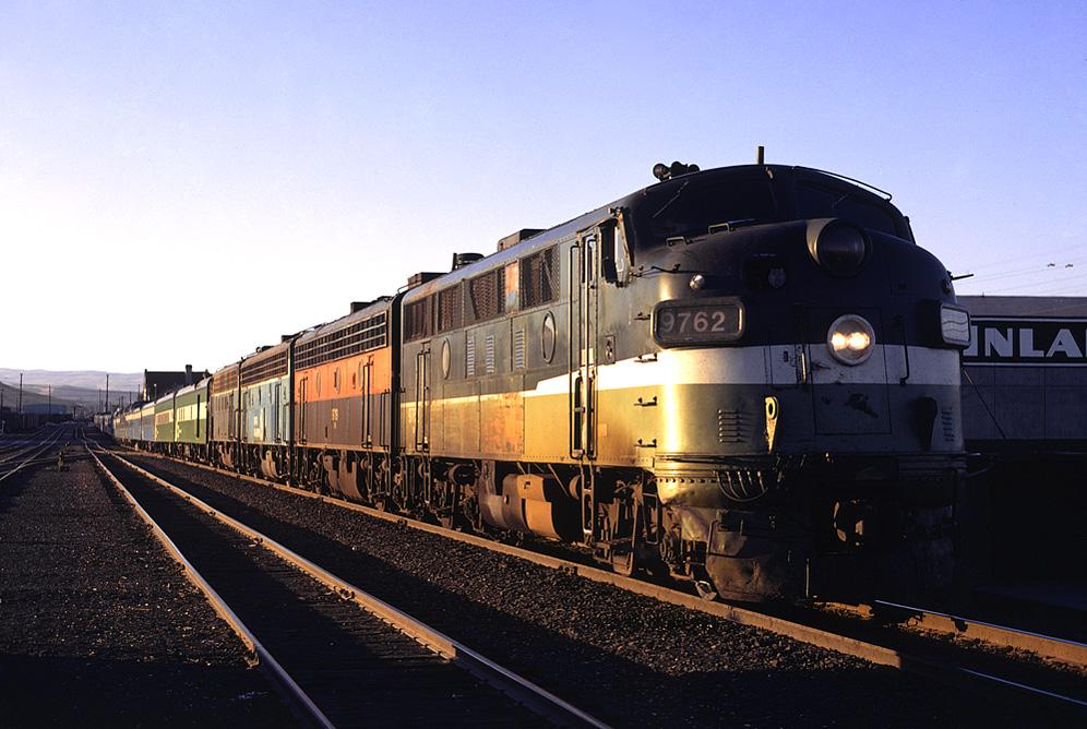 ---Please Read Item Description Lego Train Spokane Portland /& Seattle GP40