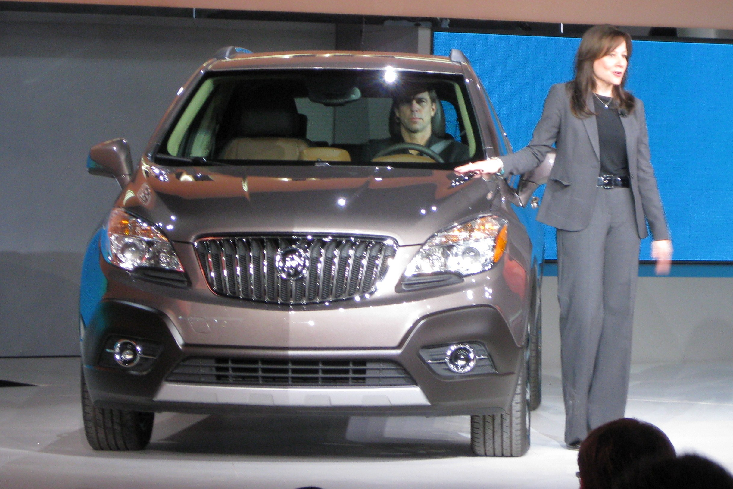 buick encore img ratings review view and side trucks suvs