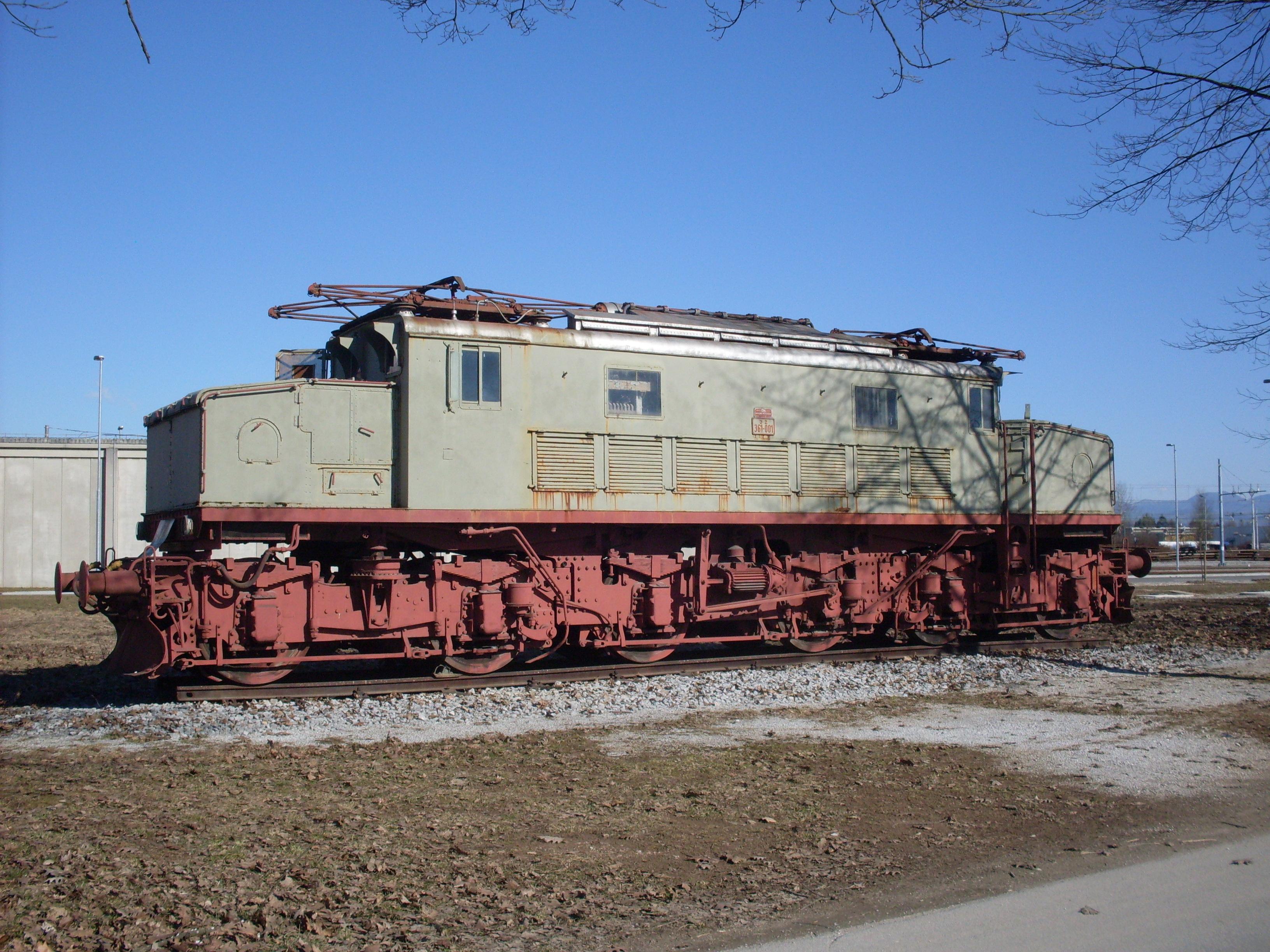 CD_Moste-electric_locomotive_JZ_361-001-