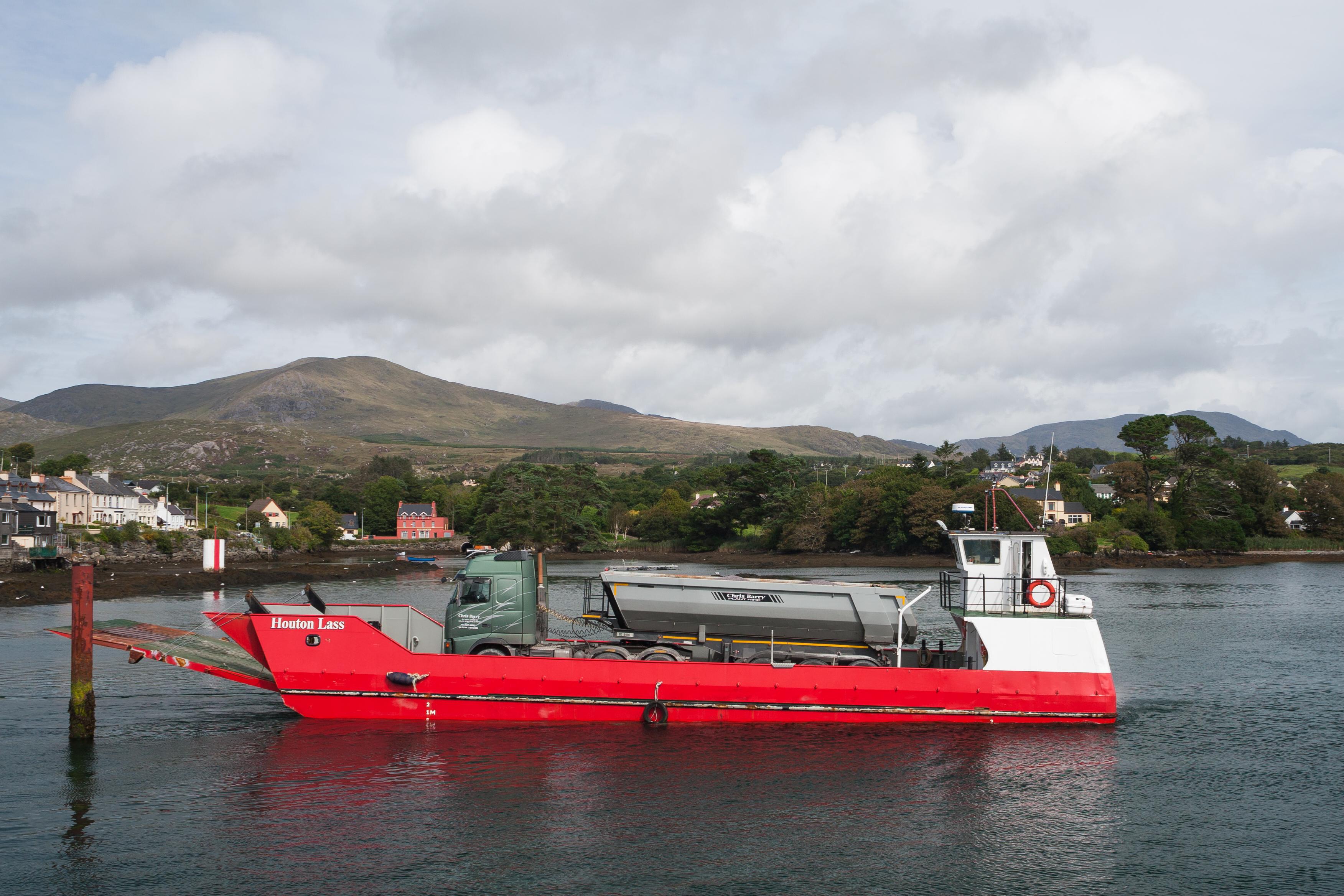 file castletownbere ferry houton lass 2017 08 29 jpg wikimedia commons
