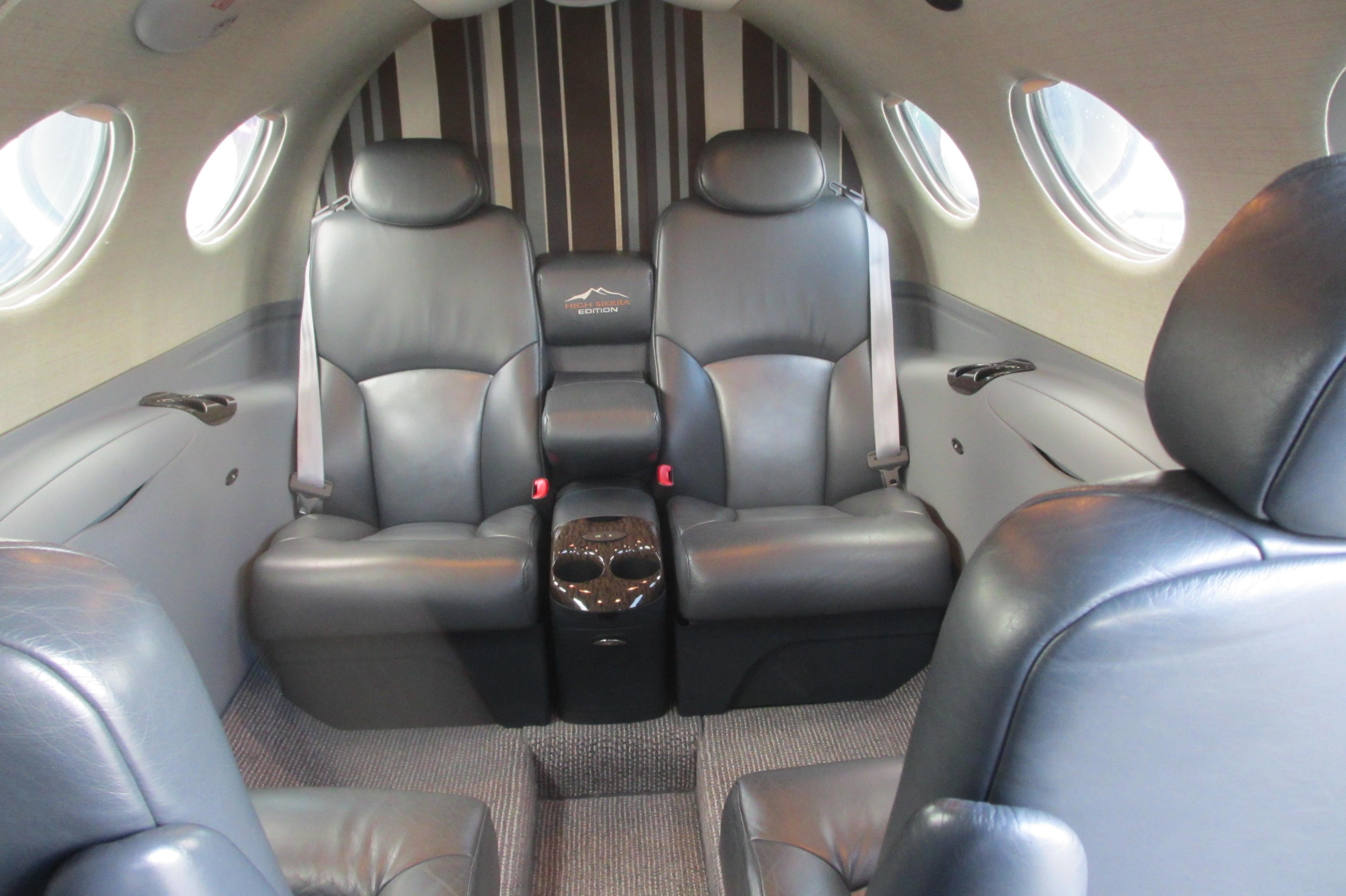 File Cessna Citation Mustang Interior Jpg Wikimedia Commons