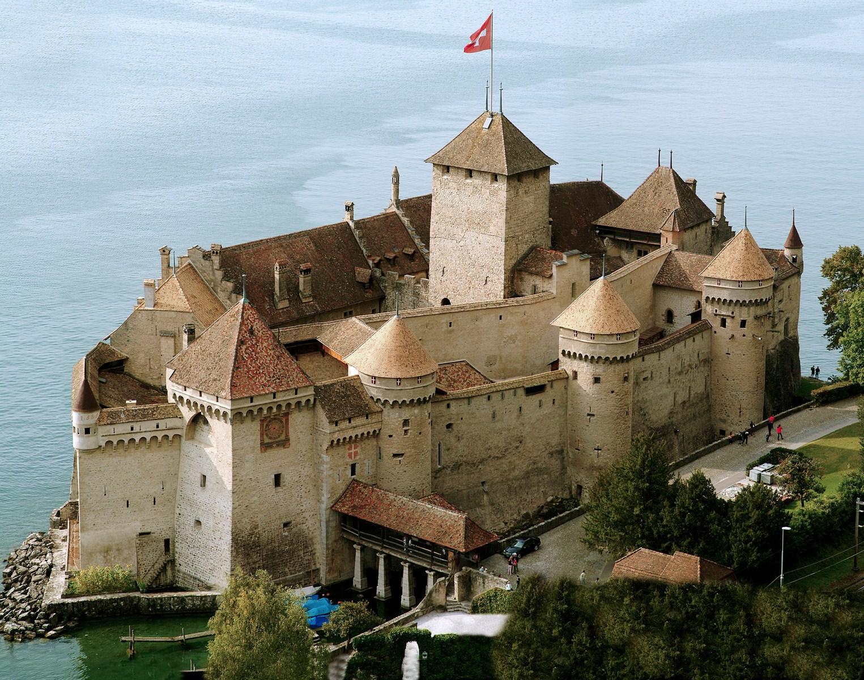 Chateau De Chillon - Best Places in Switzerland