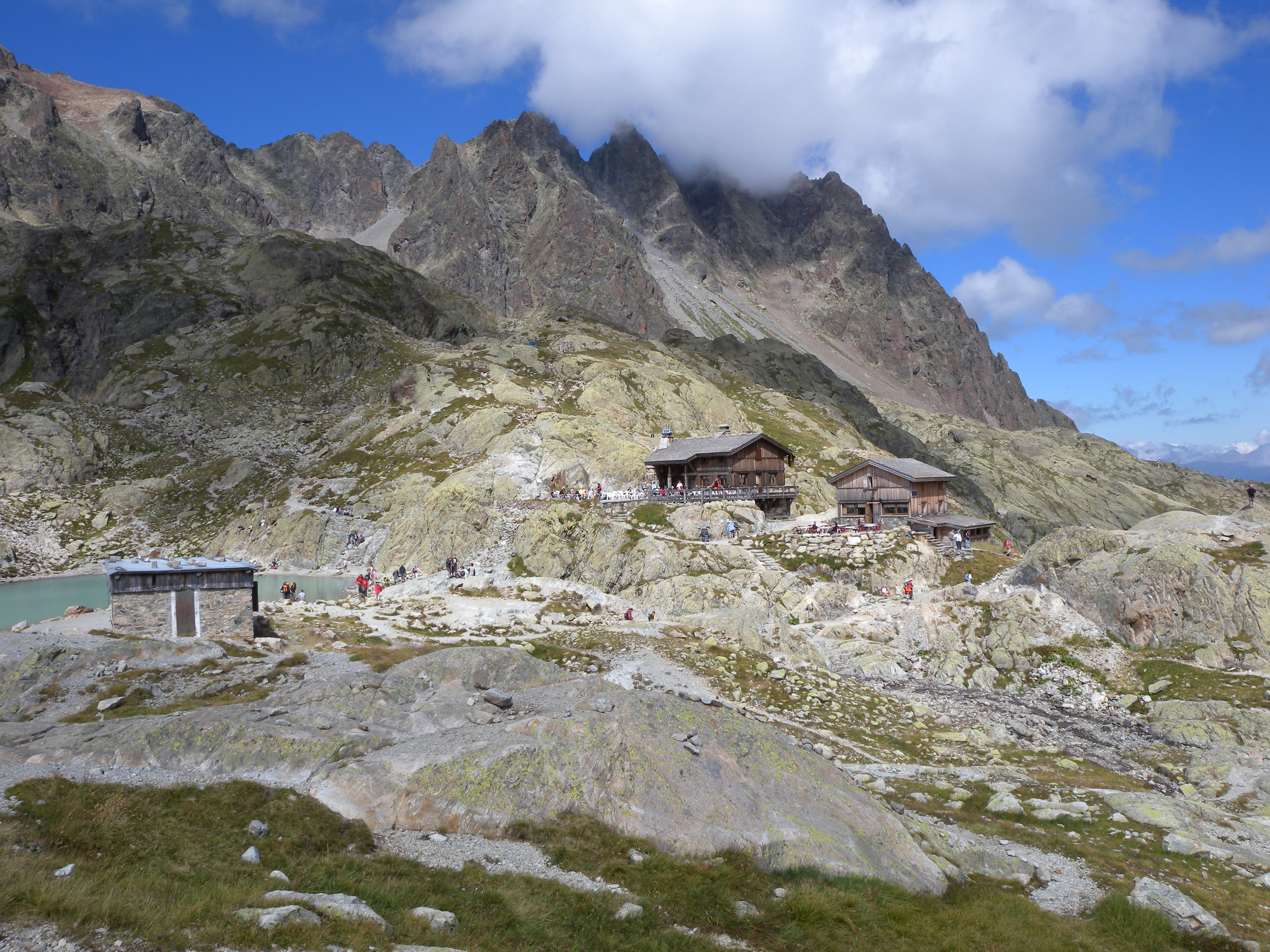 File Chalet Du Lac Wikimedia Commons