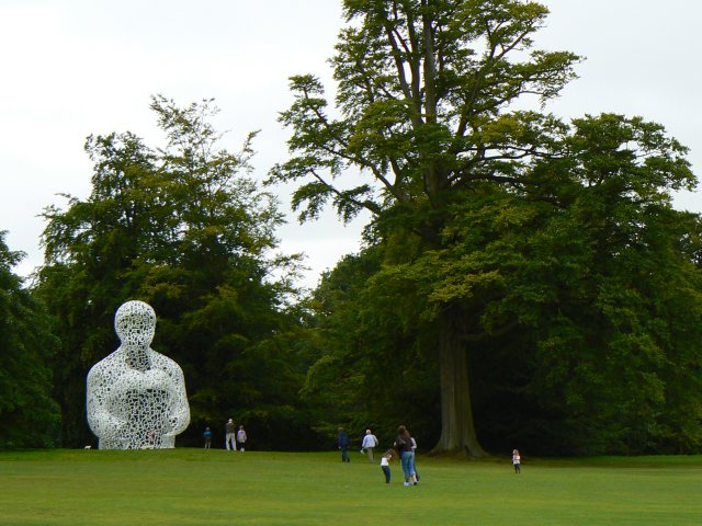 Chatsworth sculpture - geograph.org.uk - 947557