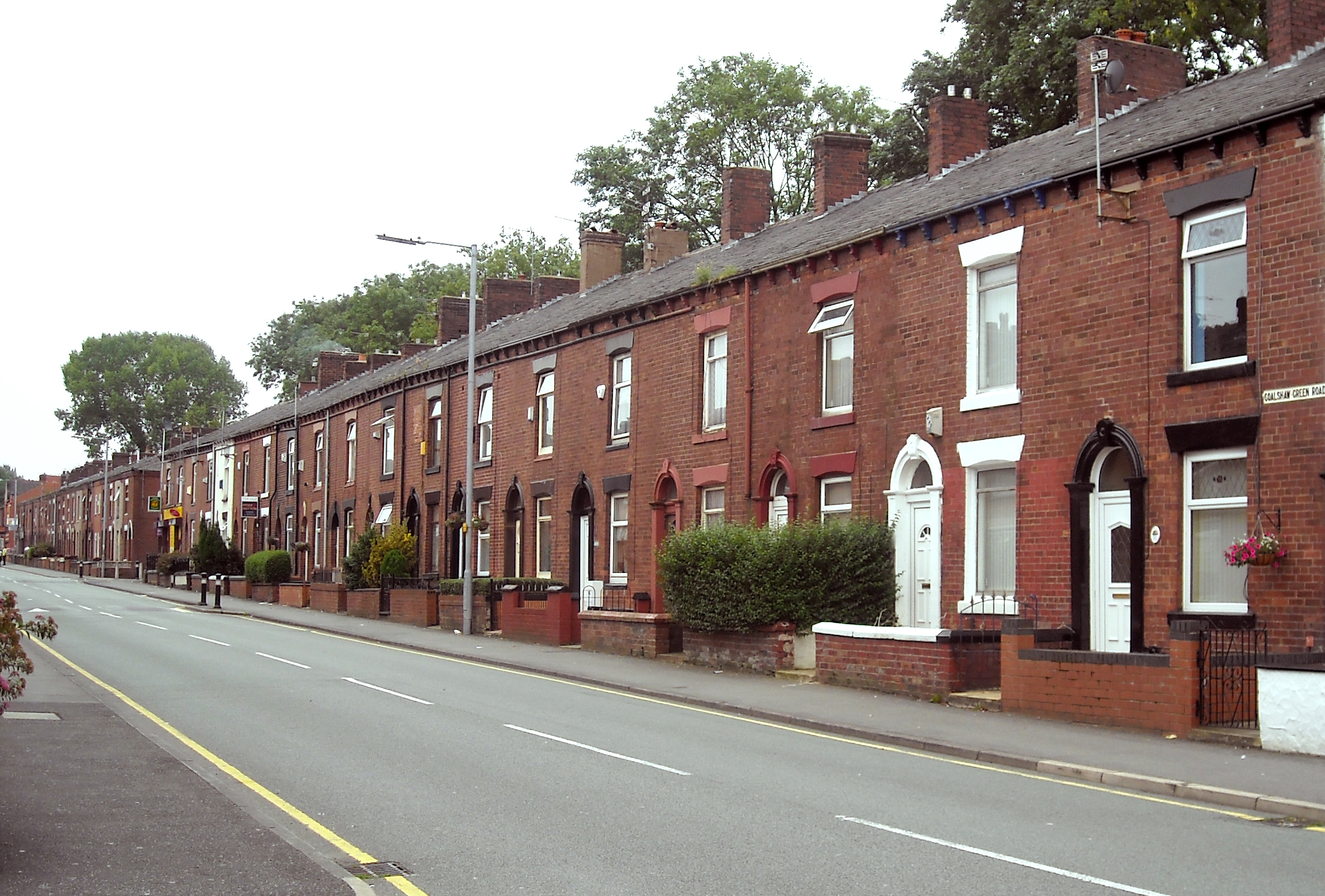 File colshaw green road wikimedia commons for What is terrace house
