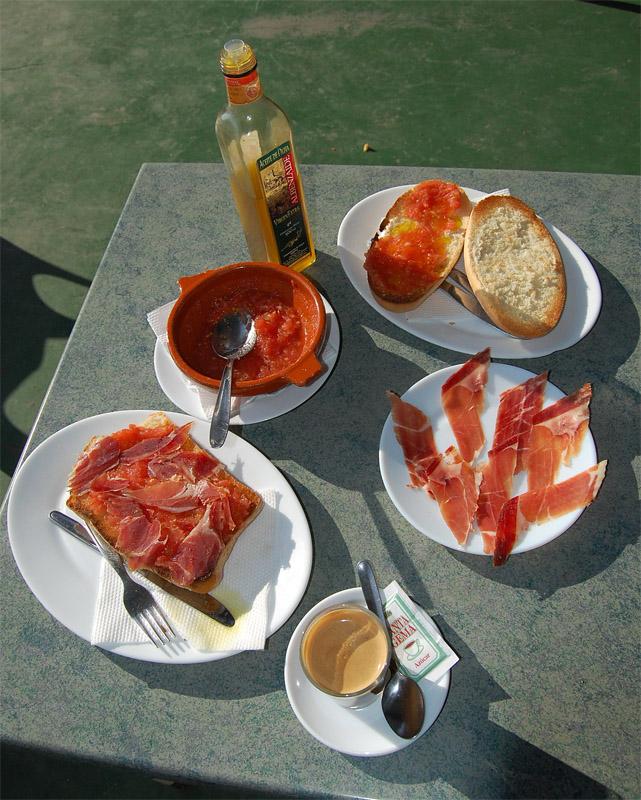 Kuracisto: La dieta mediterránea, ¿bañarse en aceite de oliva? Desayuno Espanol Tipico