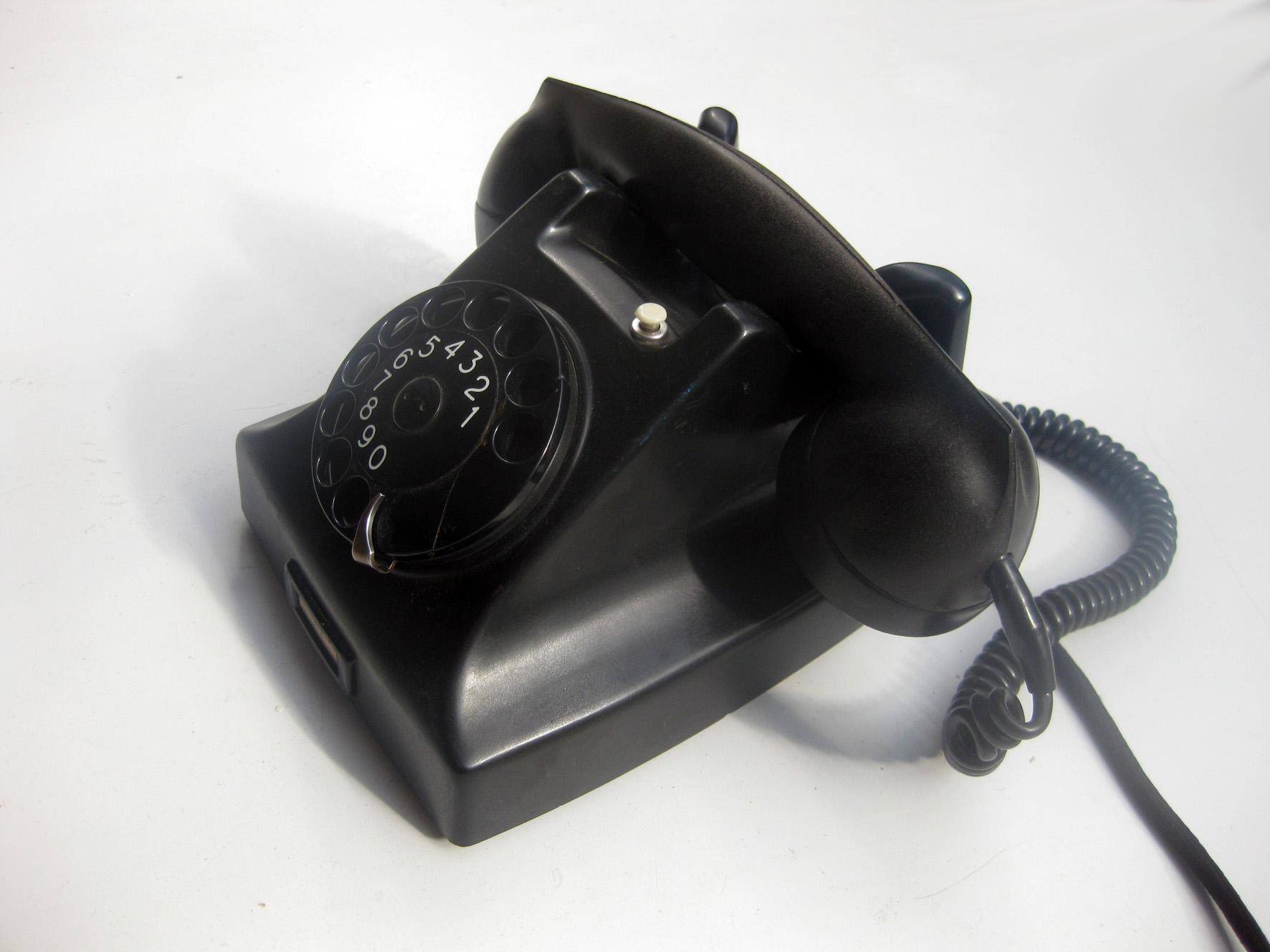 Telephone 1950 File:Ericsson 1950s ba...