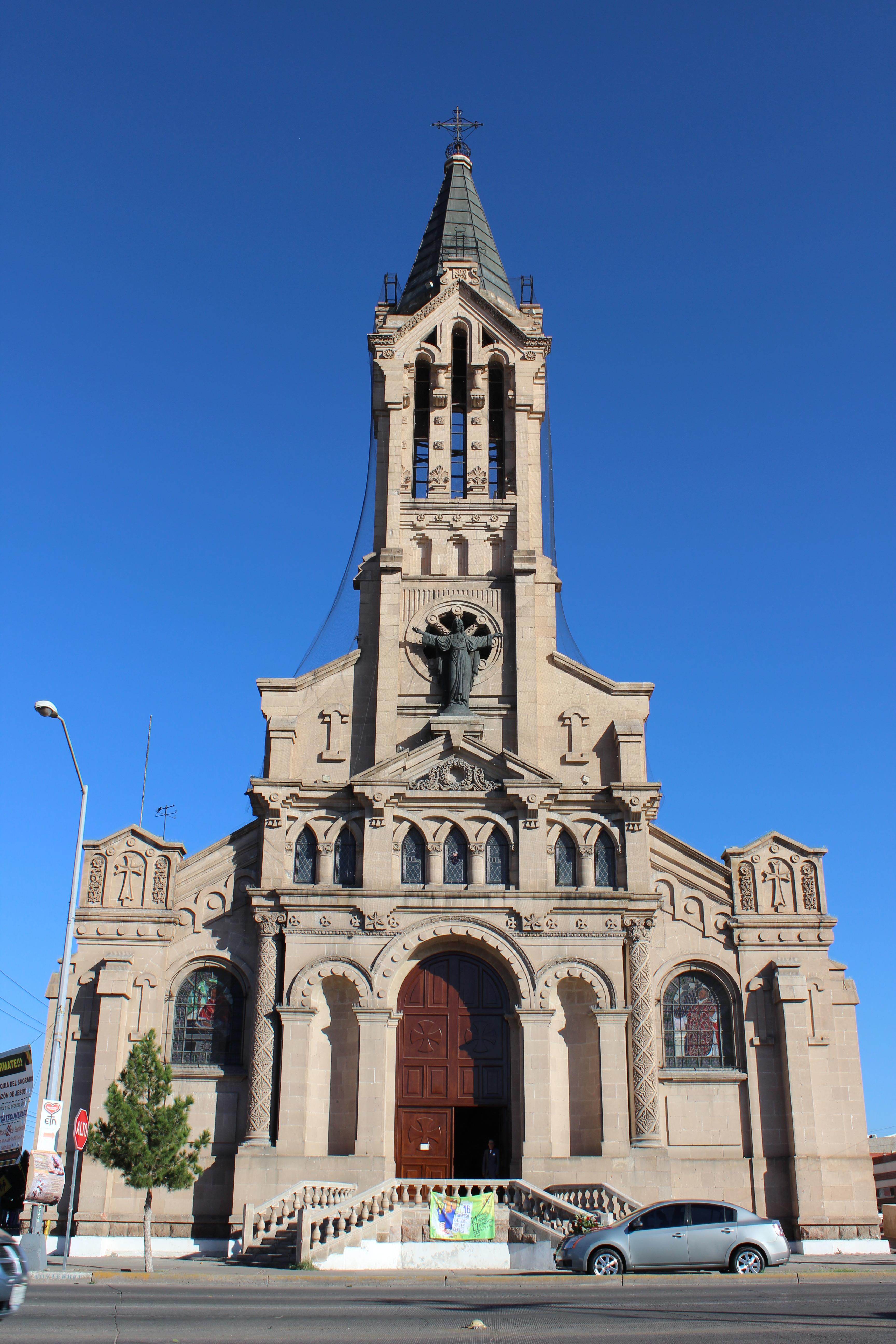 Templo Del Sagrado Corazón De Jesús Chihuahua Wikipedia La Enciclopedia Libre
