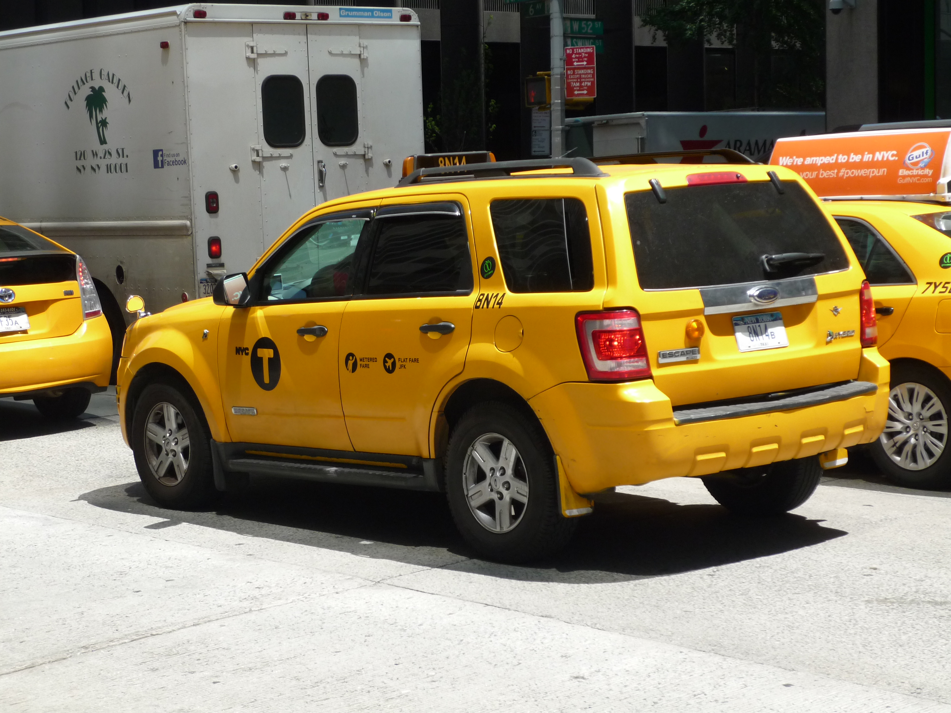 file ford escape nyc taxi 14380190530 jpg wikimedia commons. Black Bedroom Furniture Sets. Home Design Ideas